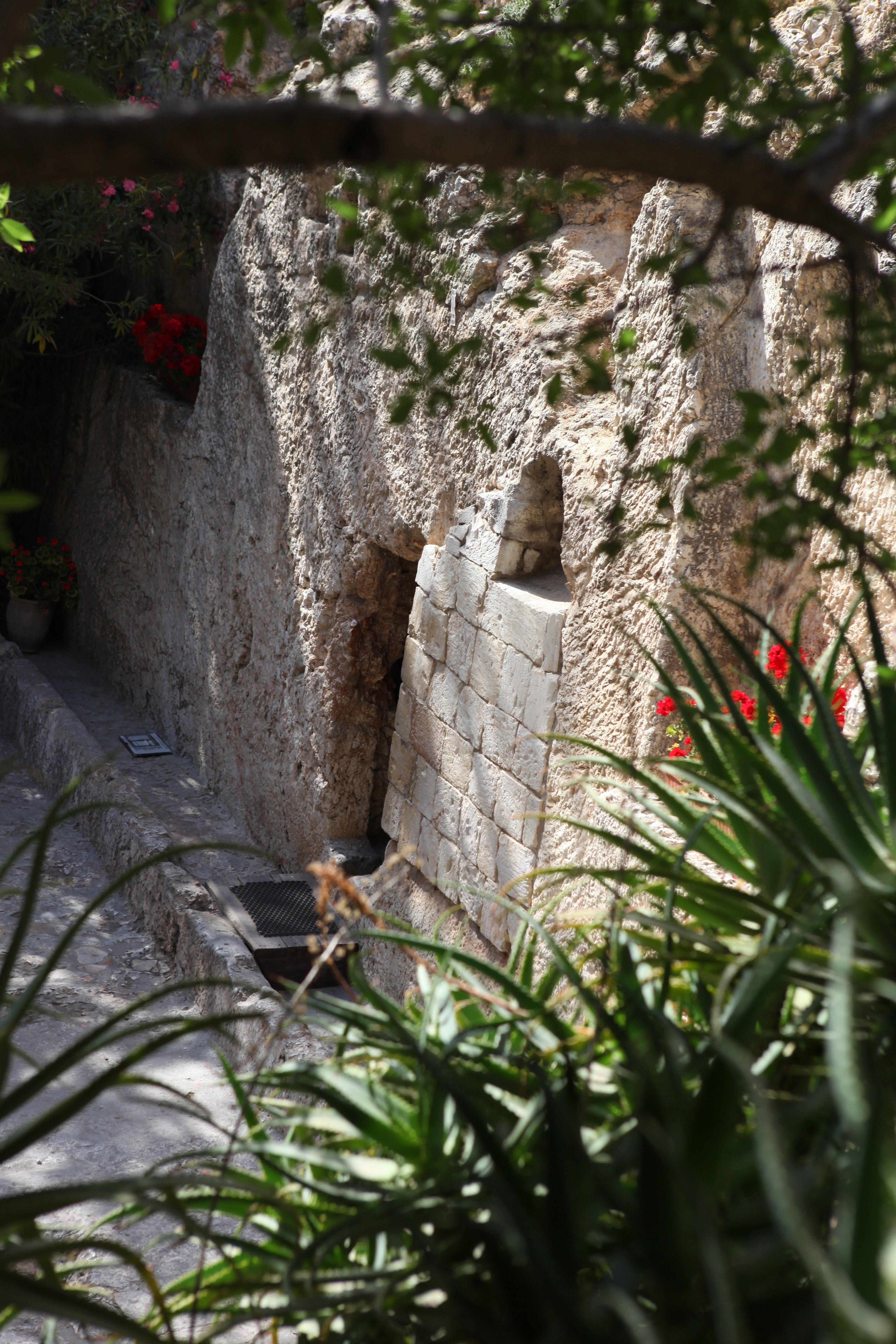 An image of the entrance to the Garden Tomb in Jerusalem.