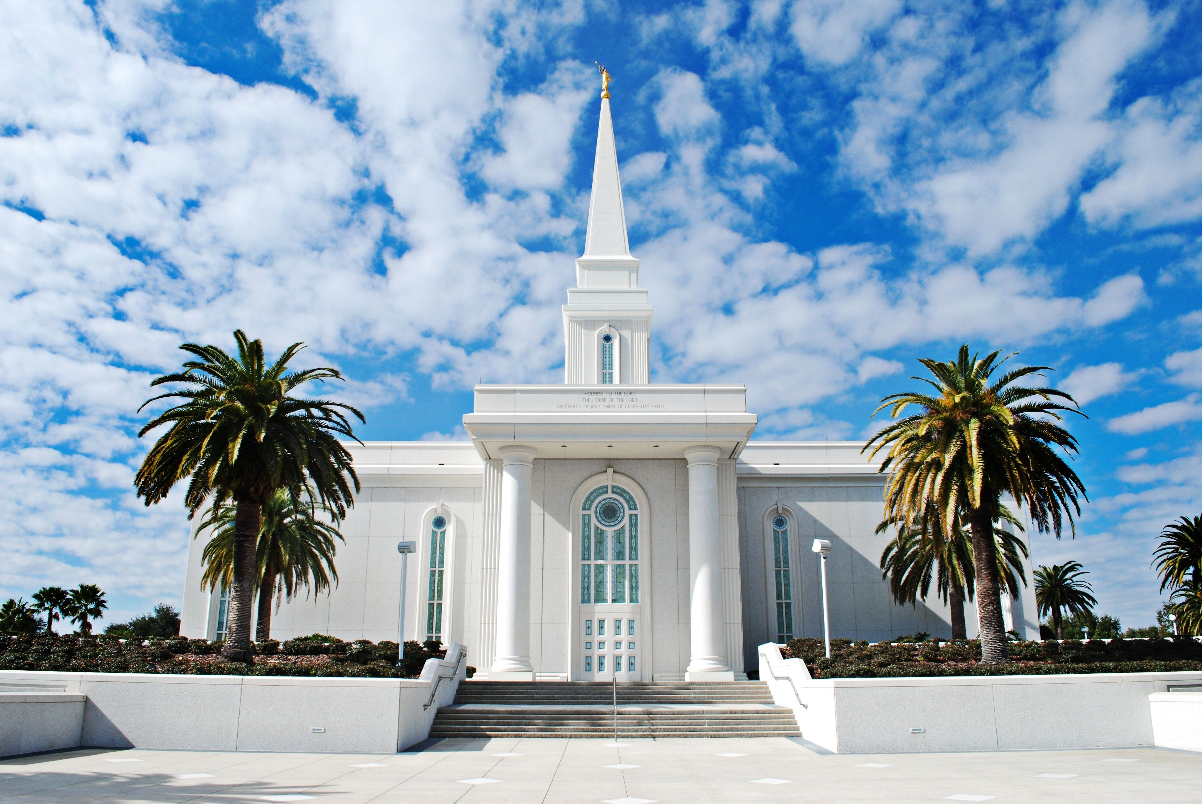 The entire Orlando Florida Temple, including the entrance and scenery.