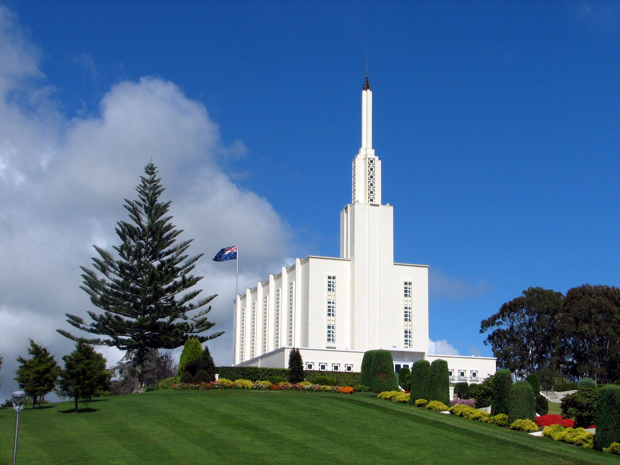 A view of the Hamilton New Zealand Temple from the temple grounds.
