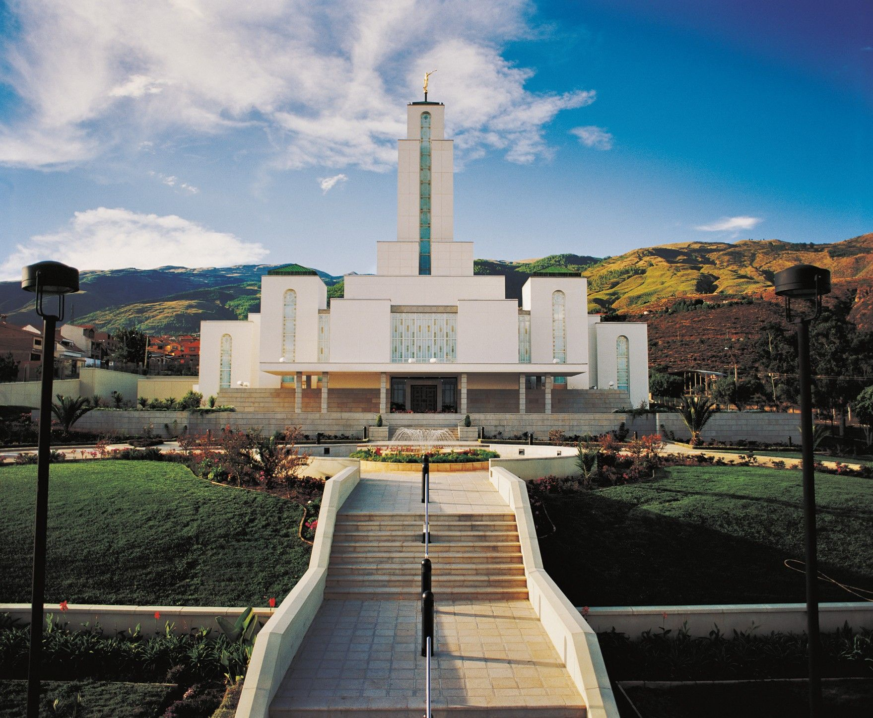 A front view of the Cochabamba Bolivia Temple on a sunny day.