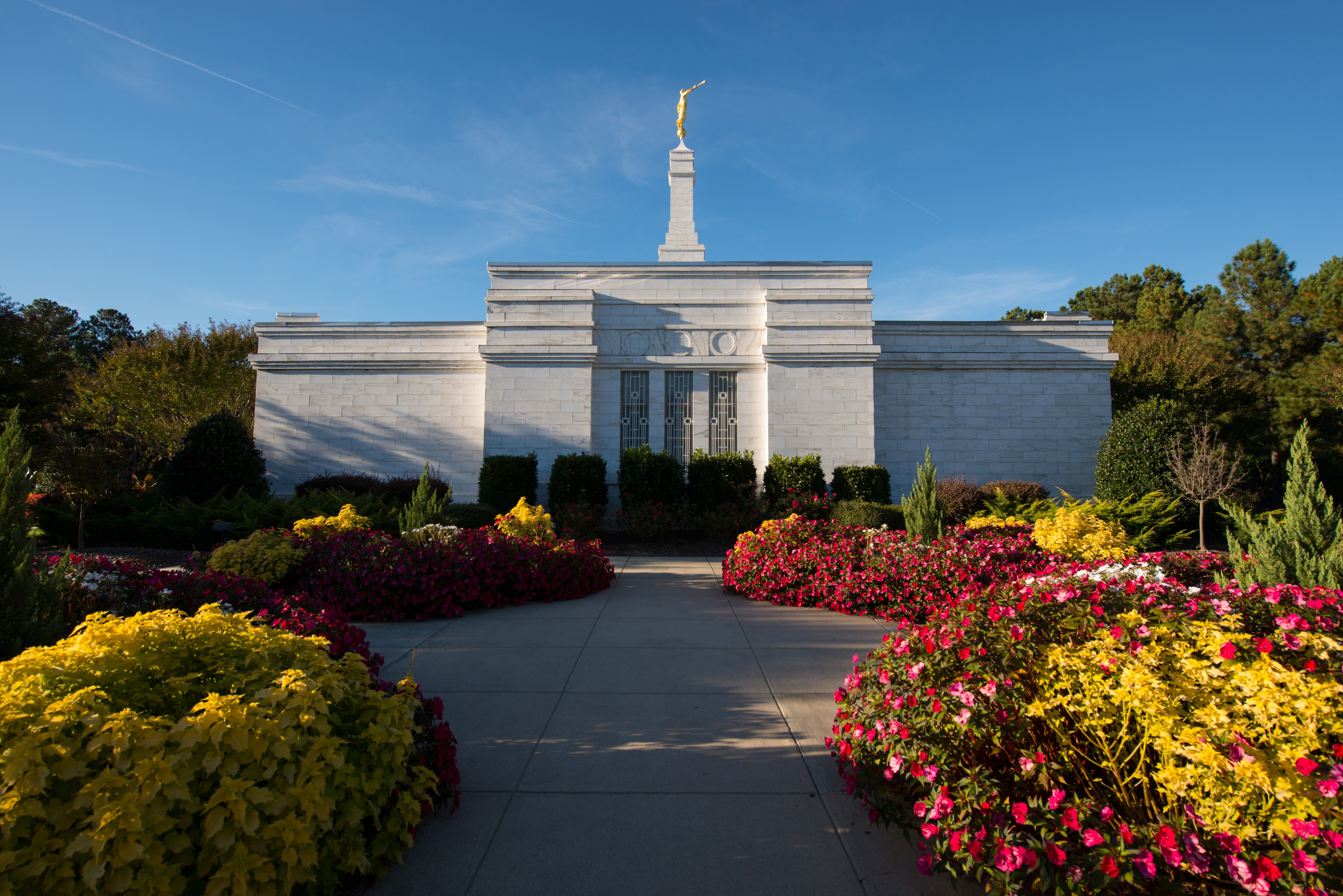 The side of the Raleigh North Carolina Temple on a sunny day.