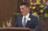 Zane Openshaw prononçant un discours aux obsèques