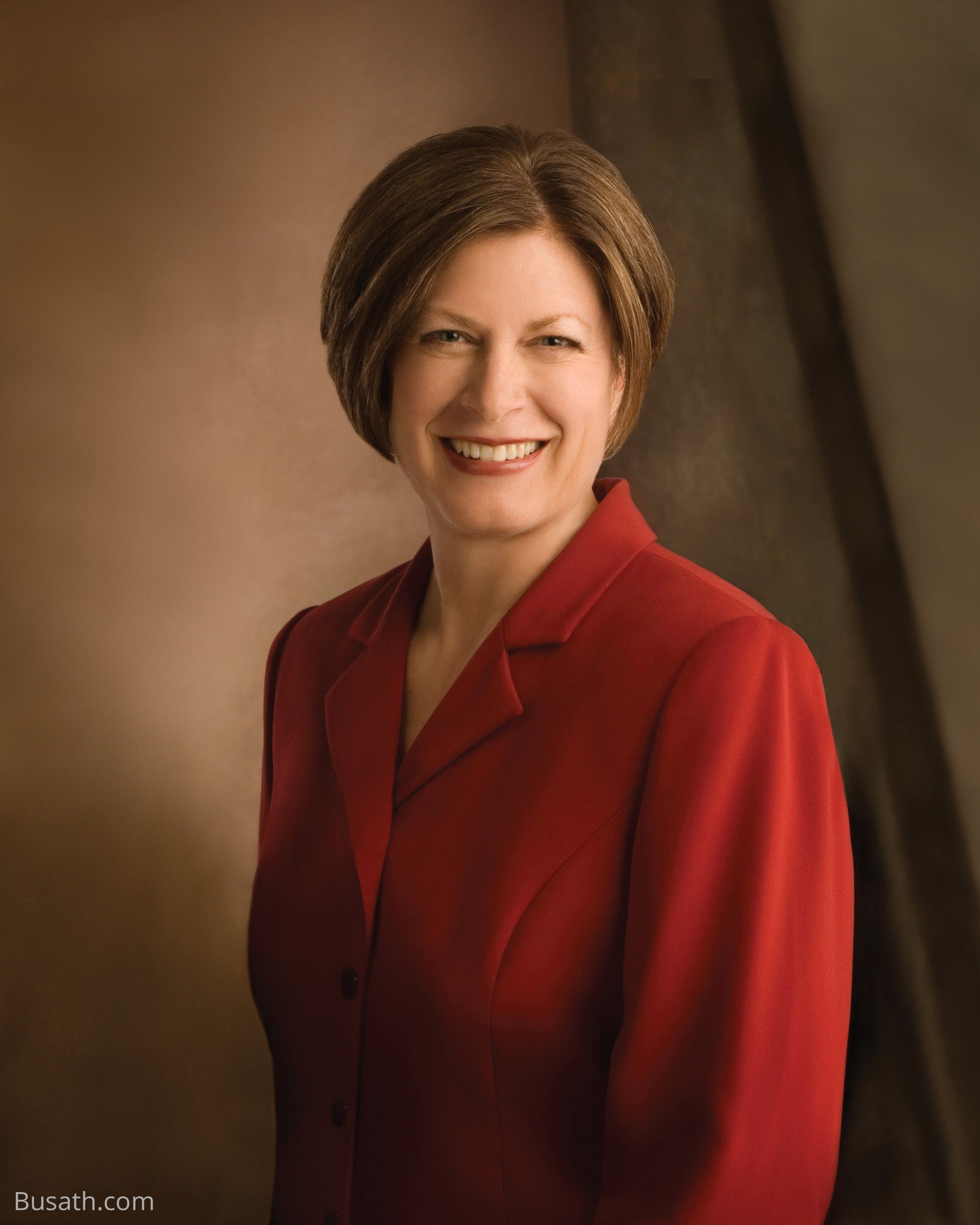 A portrait of Julie Bangerter Beck, who was the 15th general president of the Relief Society from 2007 to 2012.