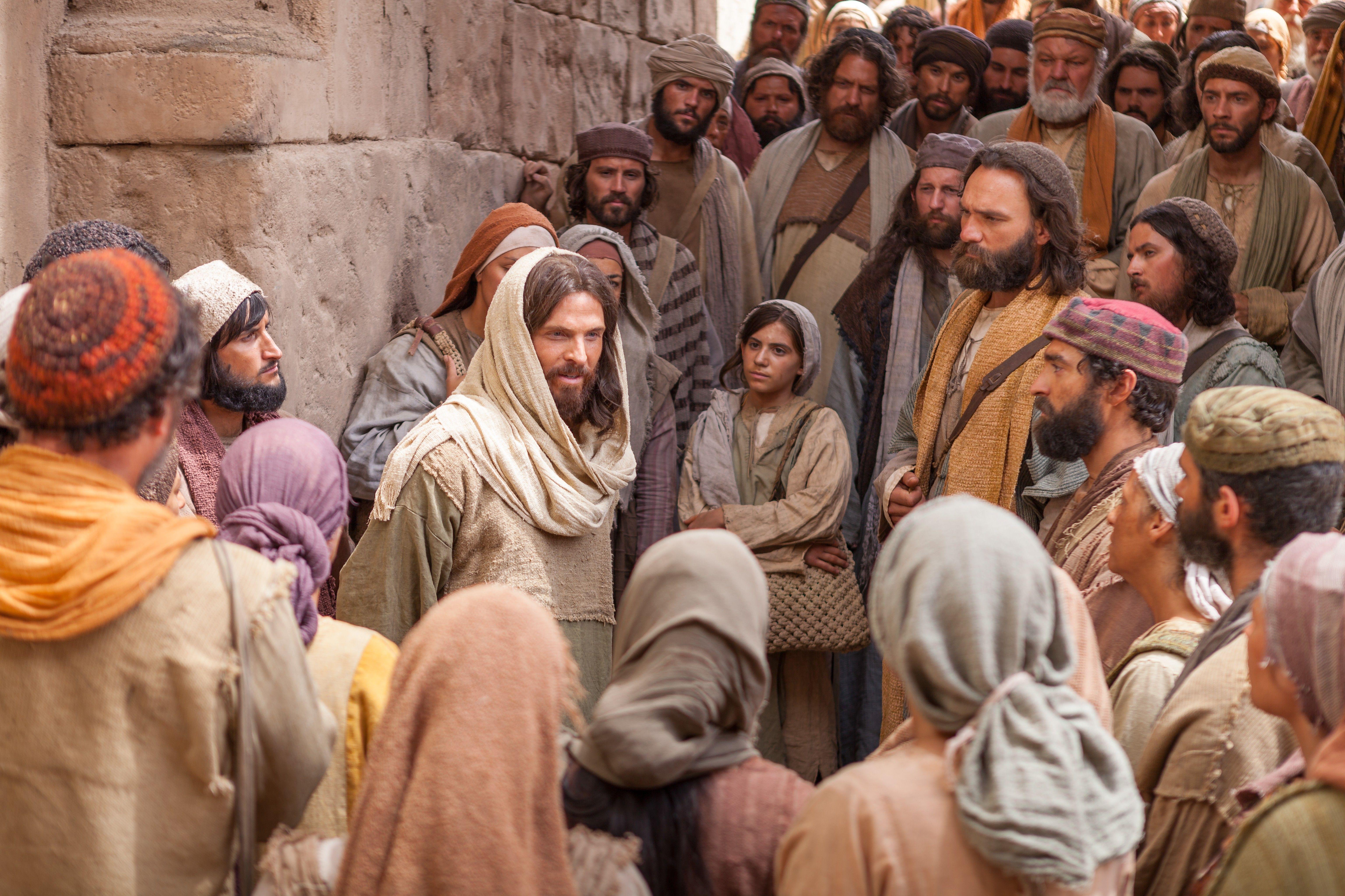 Christ teaches His gospel as disciples follow Him.