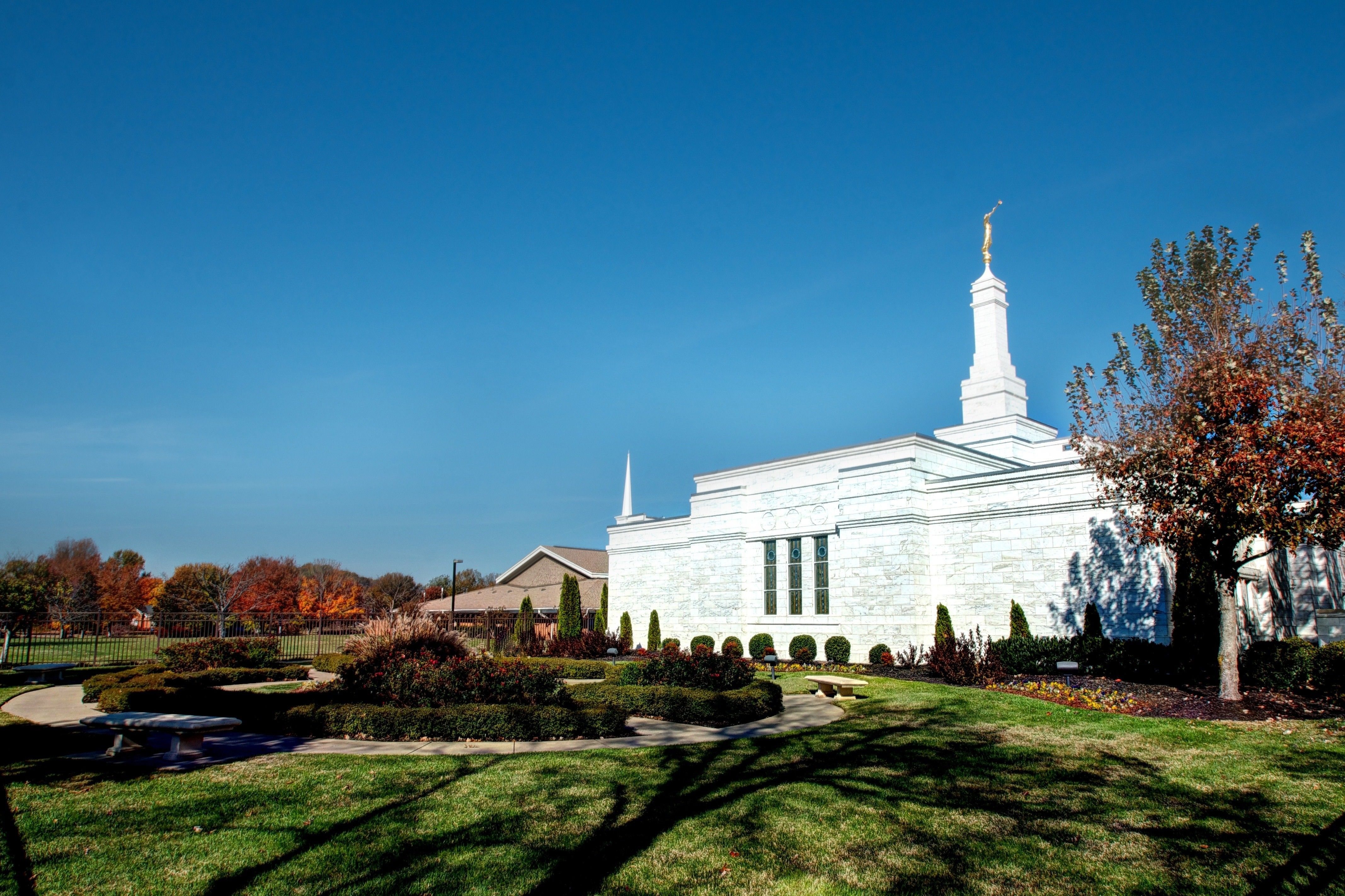 The Nashville Tennessee Temple side view, including scenery.