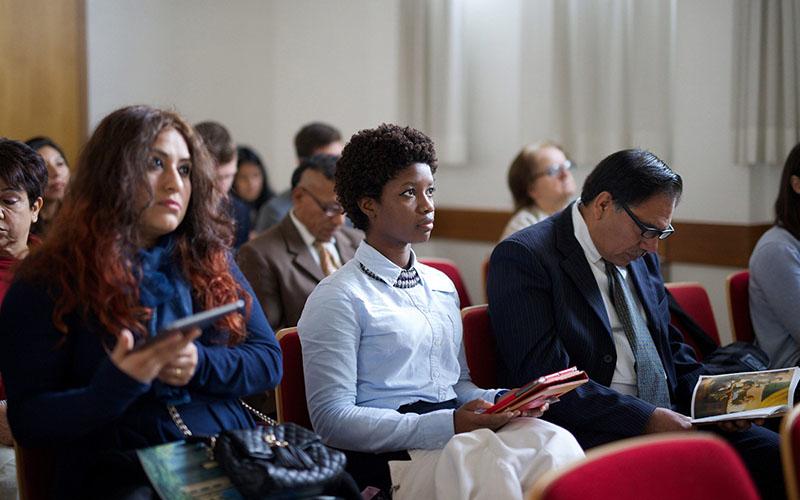 Một hội thánh tìm hiểu về Chúa Giê Su Ky Tô