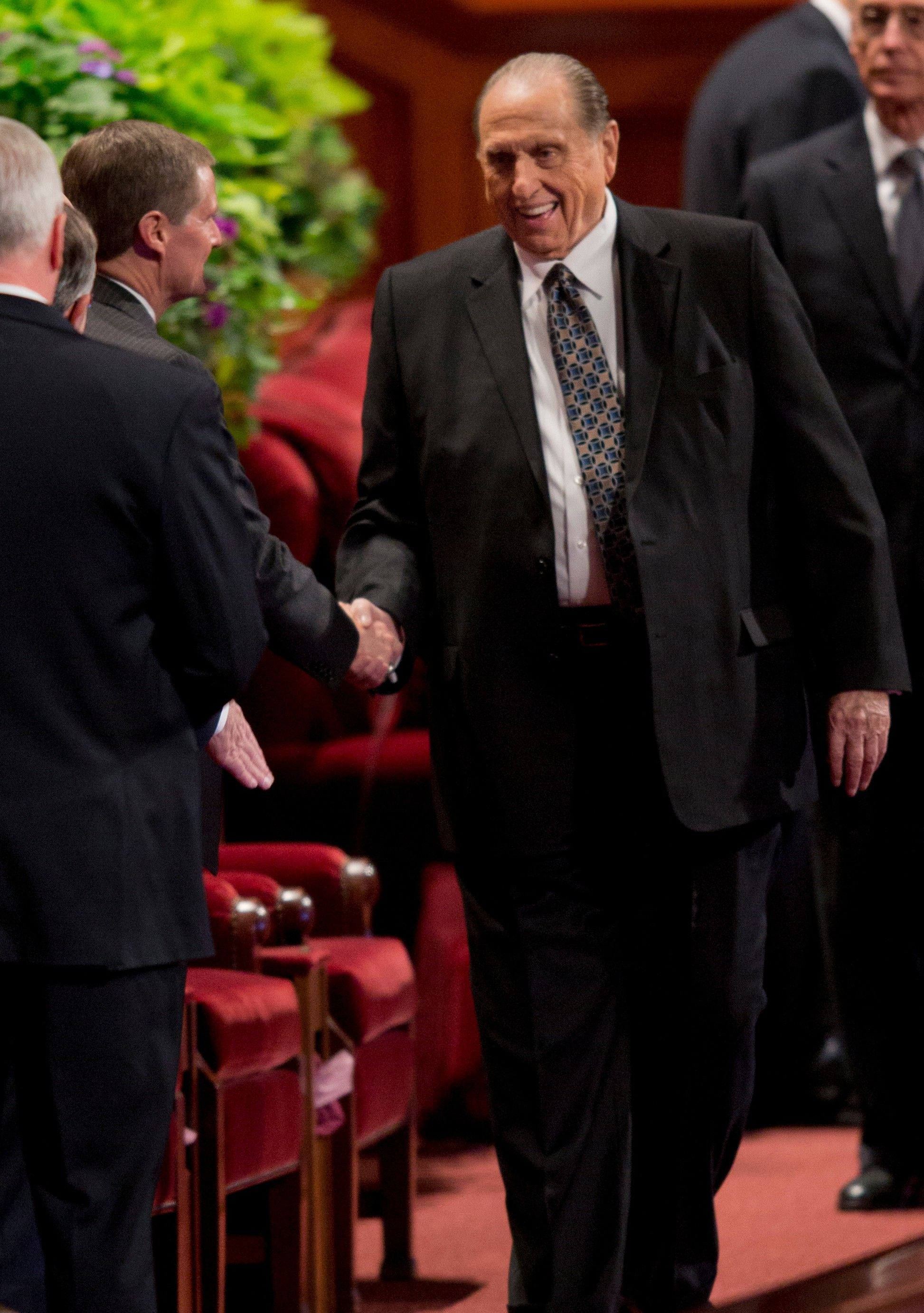 Thomas S. Monson greeting David A. Bednar in the Conference Center.