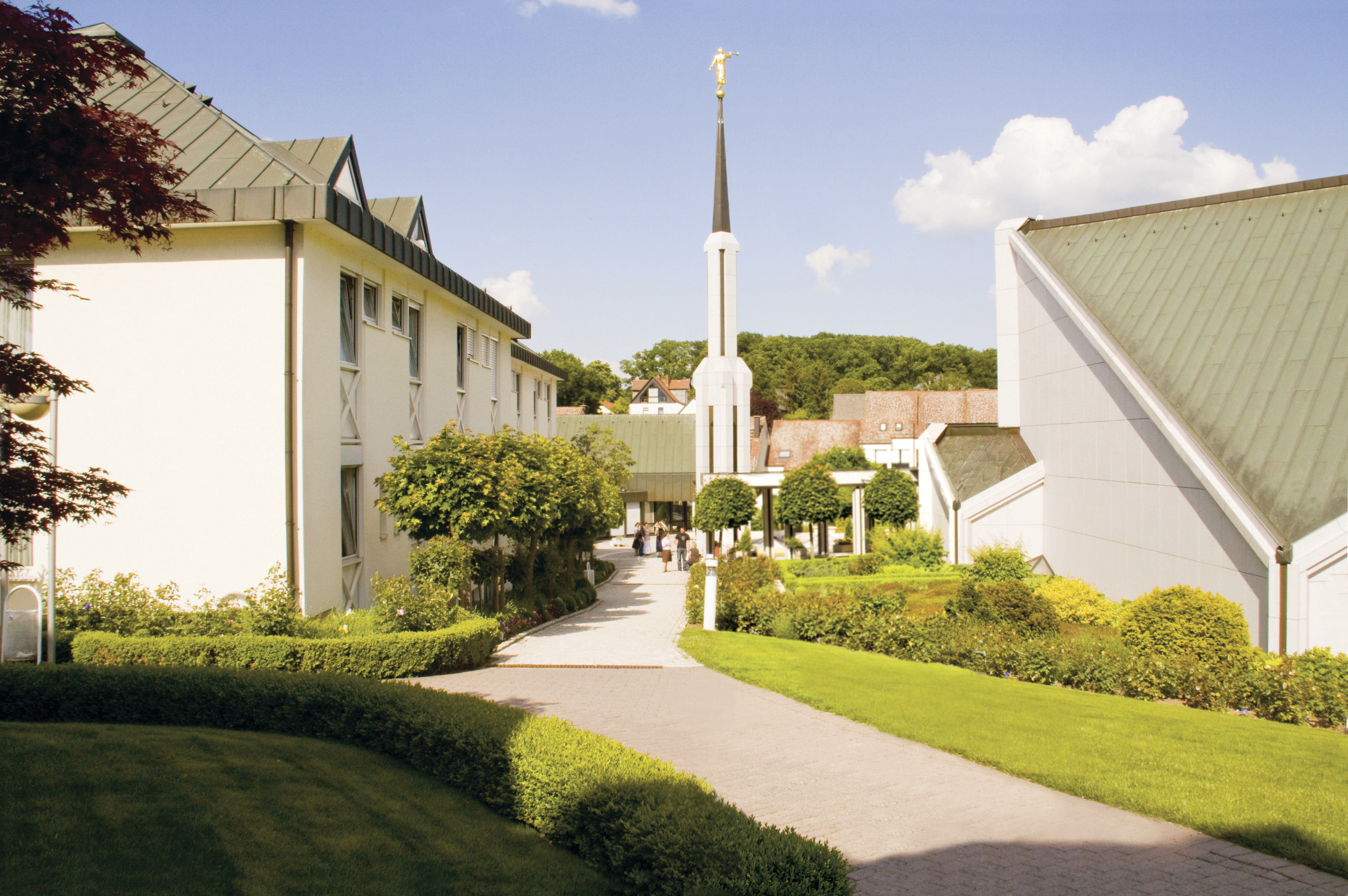 A view of the Frankfurt Germany Temple from the back.
