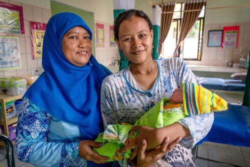 Indonesia: LDS Charities Work in Birthing Center
