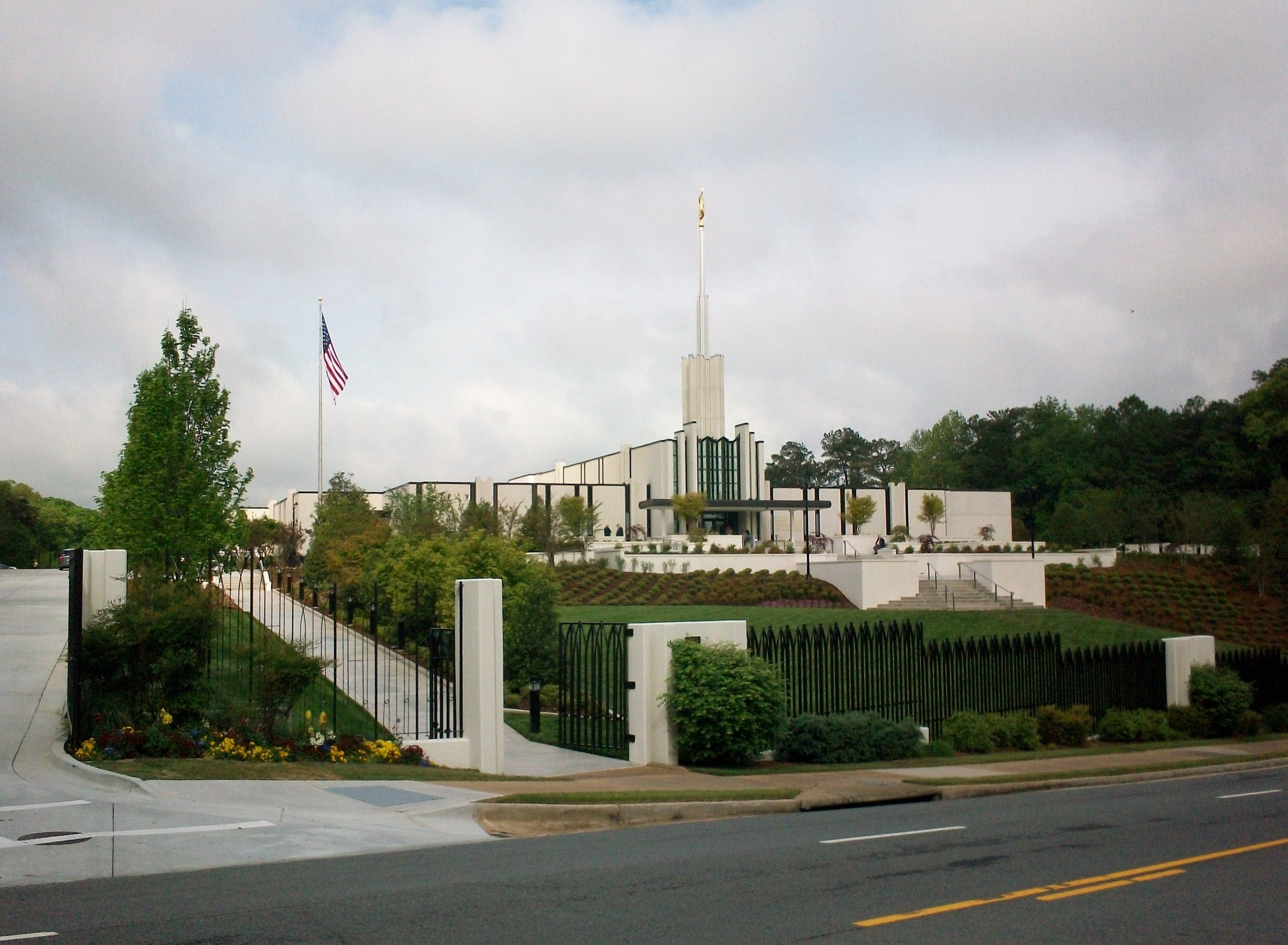 A view of the Atlanta Georgia Temple and grounds from the street.