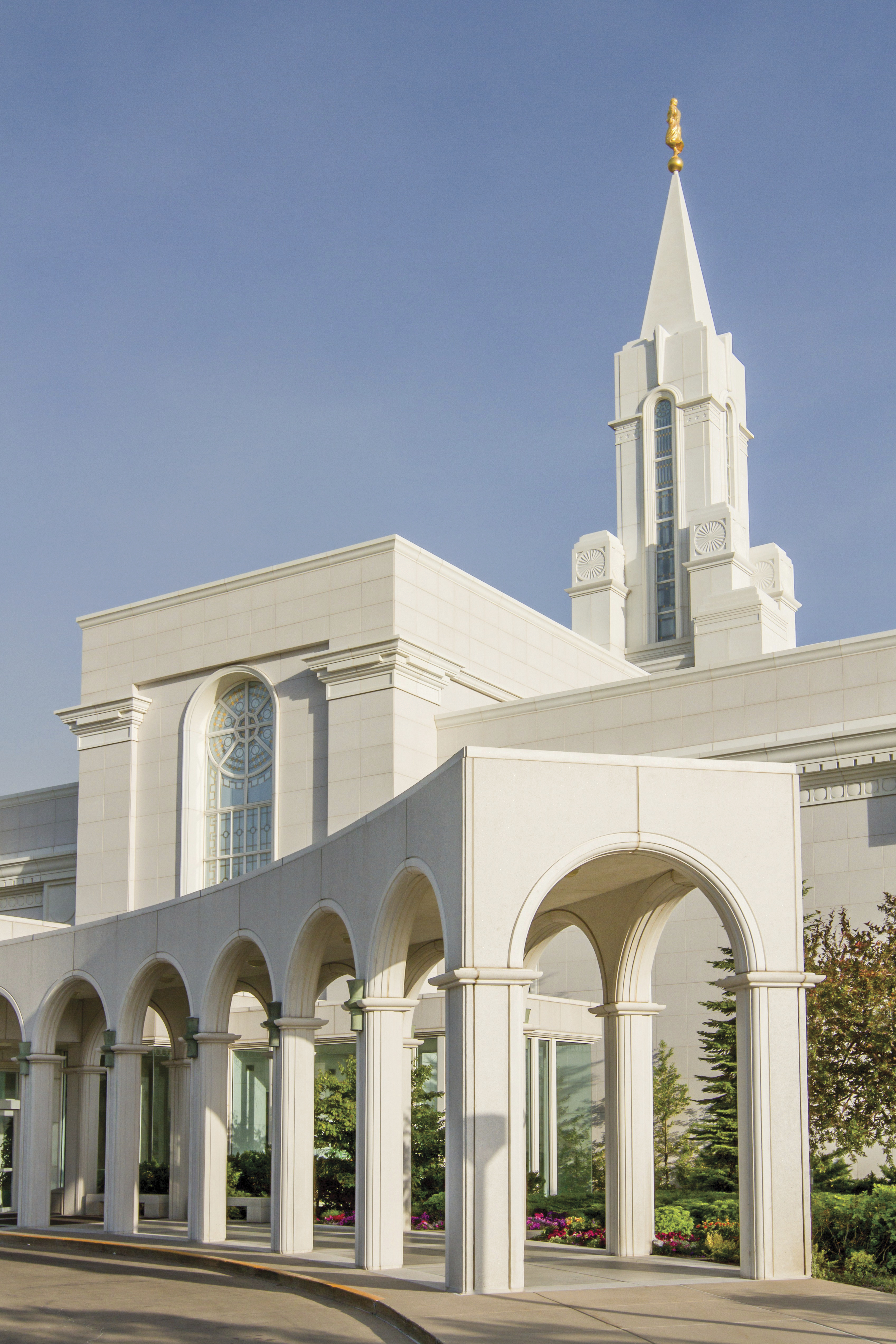 A portrait view of the entrance of the Bountiful Utah Temple.