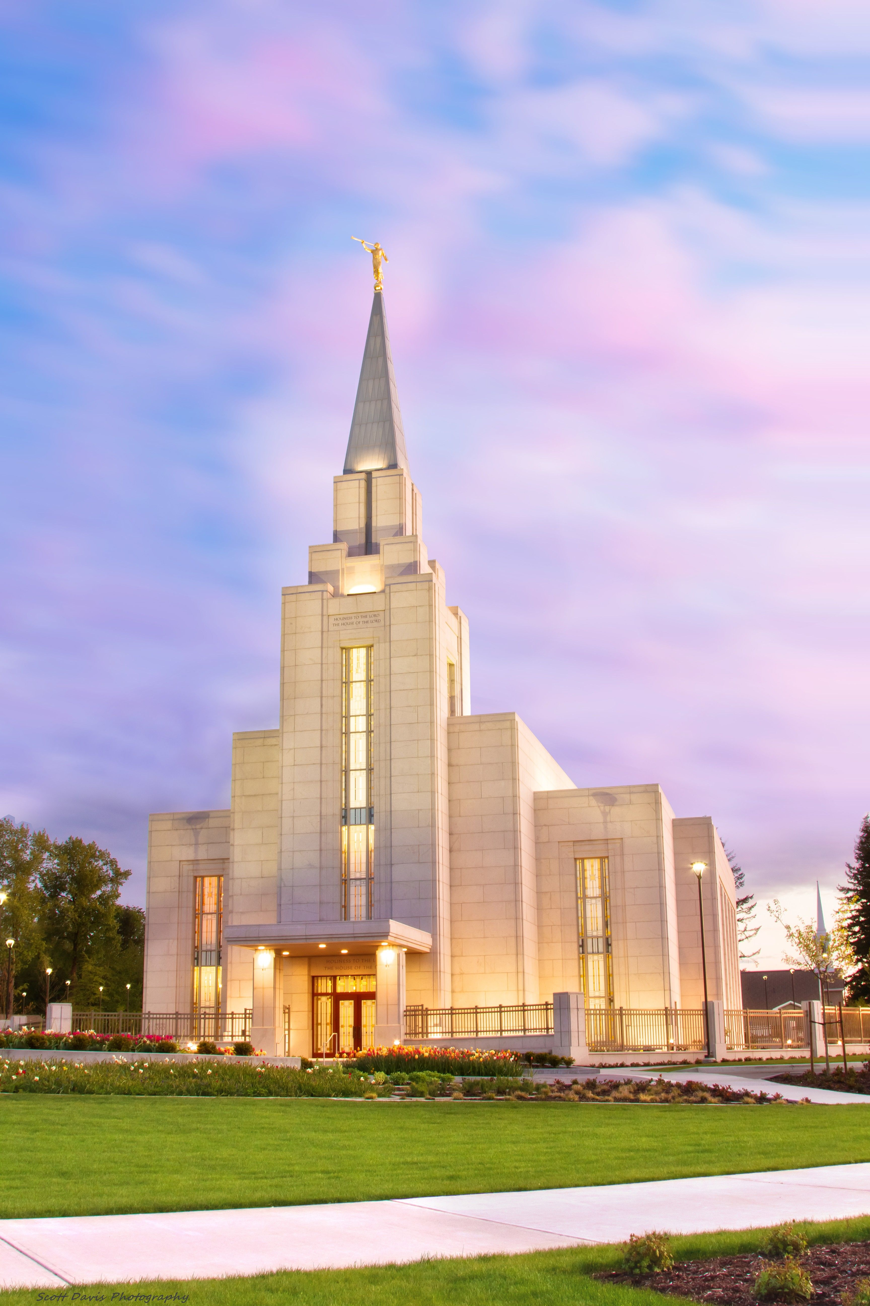 The entire Vancouver British Columbia Temple, including the entrance and scenery.