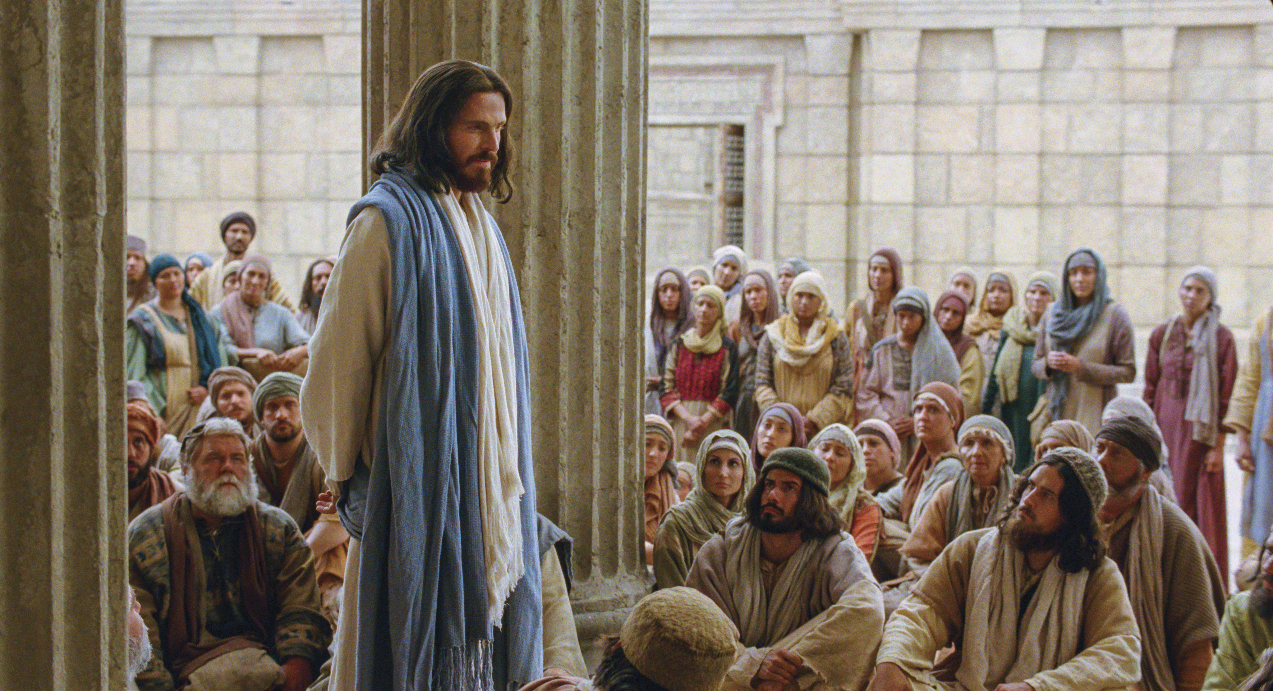 Christ teaches in the temple.