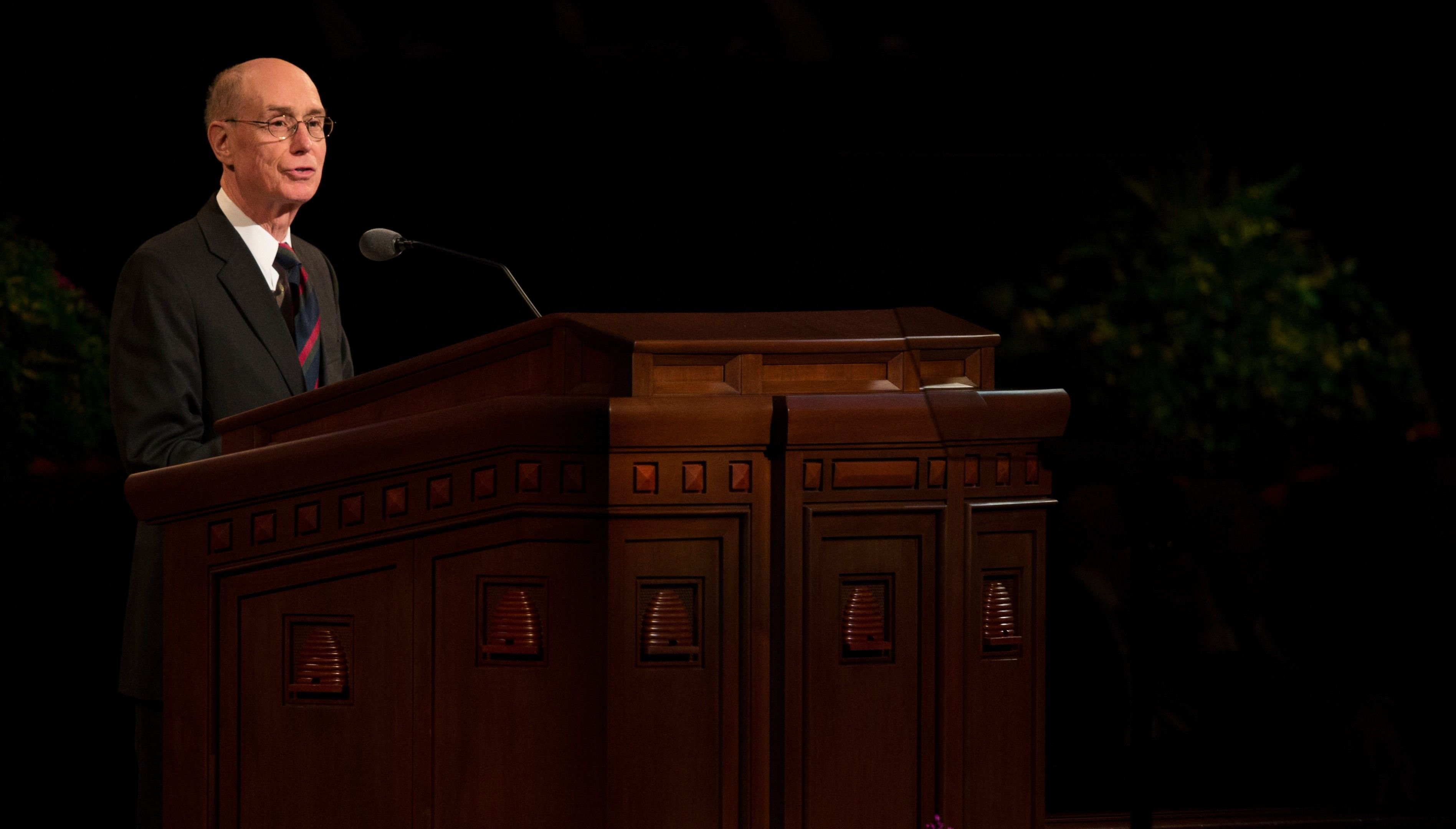 Henry B. Eyring standing and speaking in general conference.
