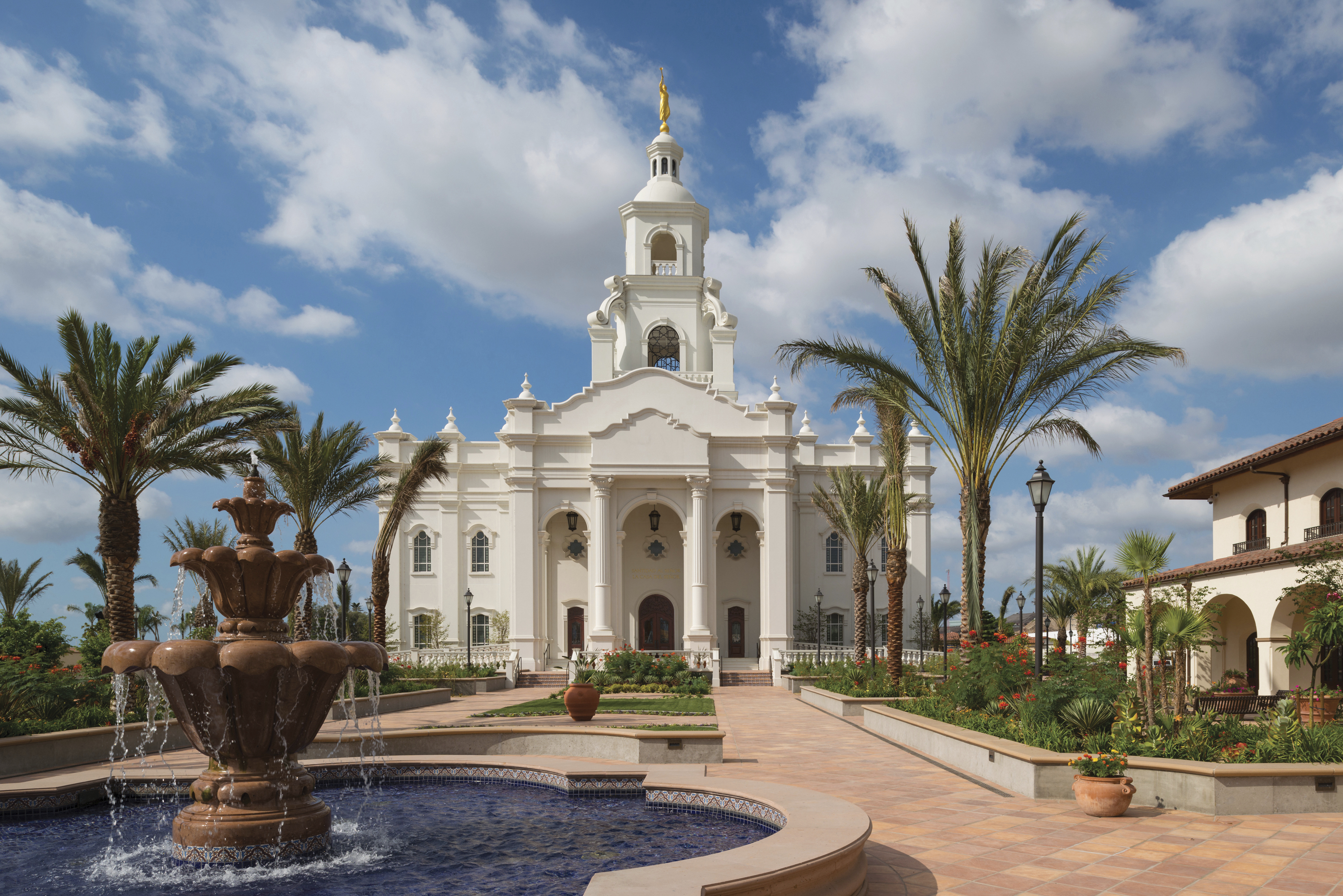 A fountain in front of the Tijuana Mexico Temple.