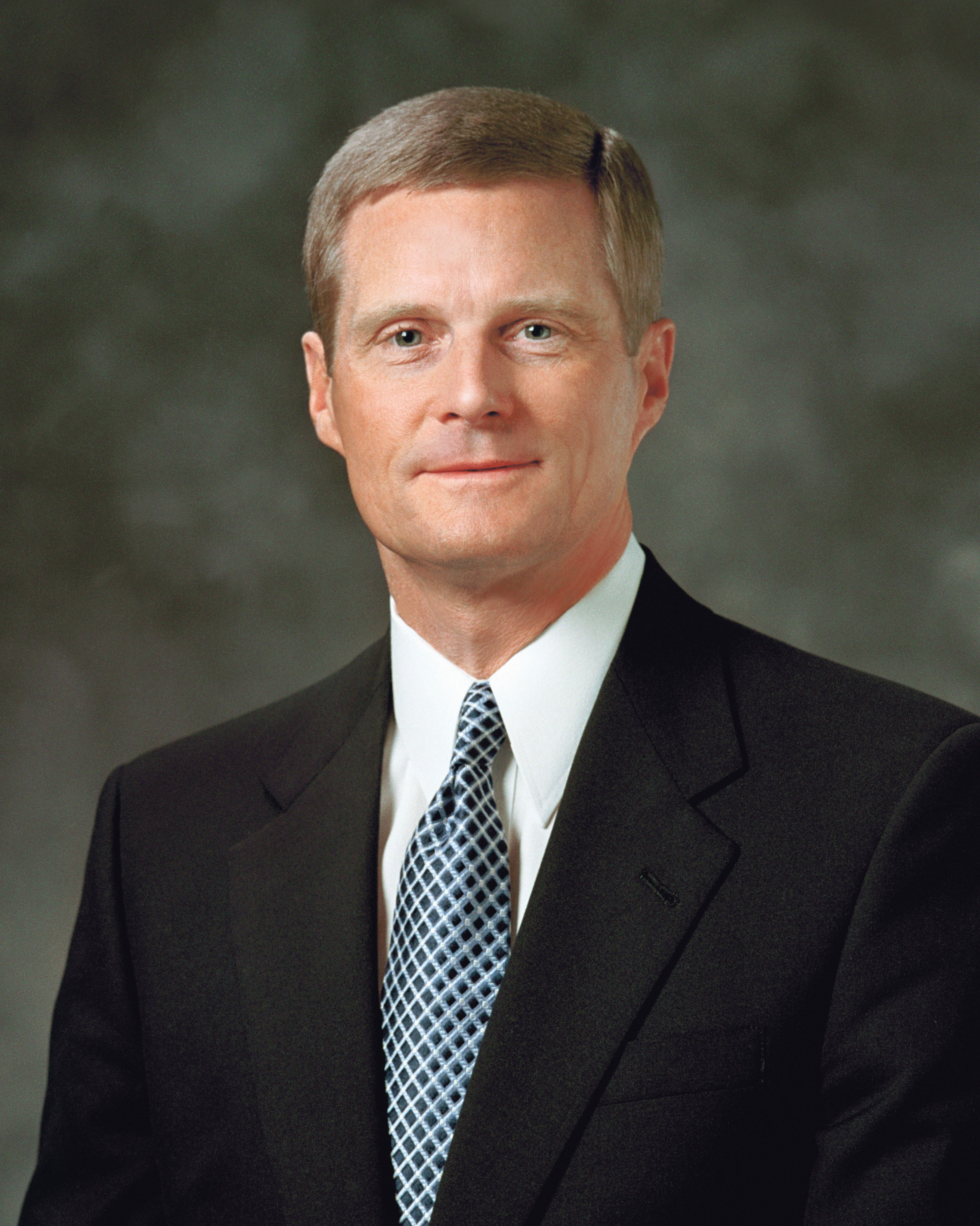 Former official portrait of David A. Bednar.  Replaced August 2020.