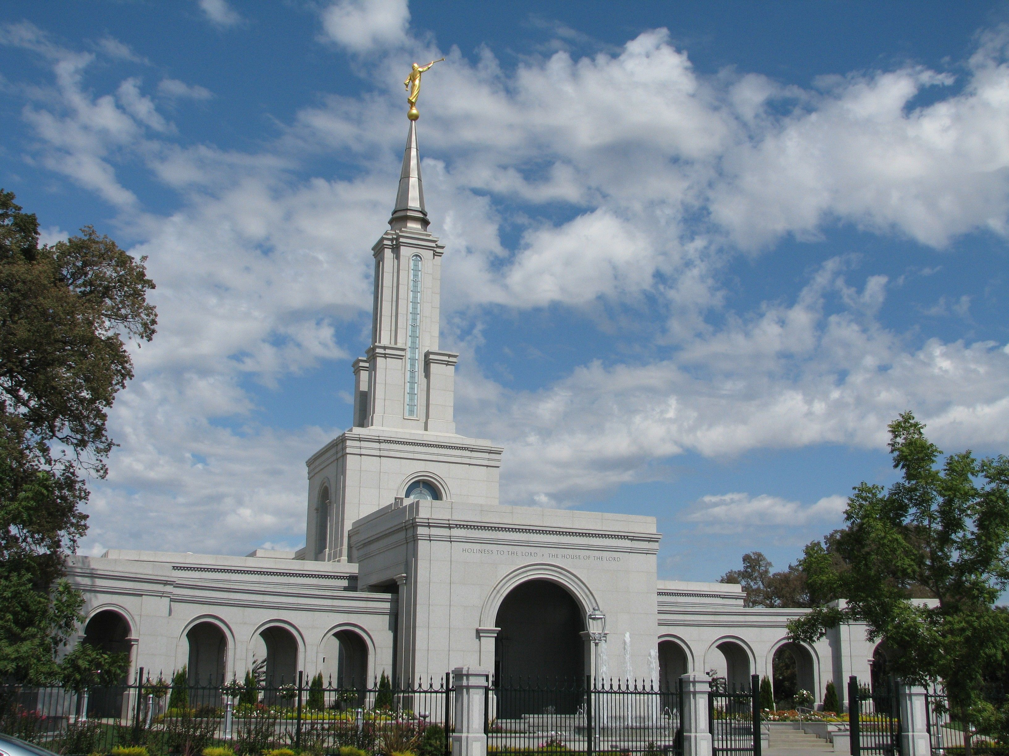 The Sacramento California Temple, including the entrance and scenery.