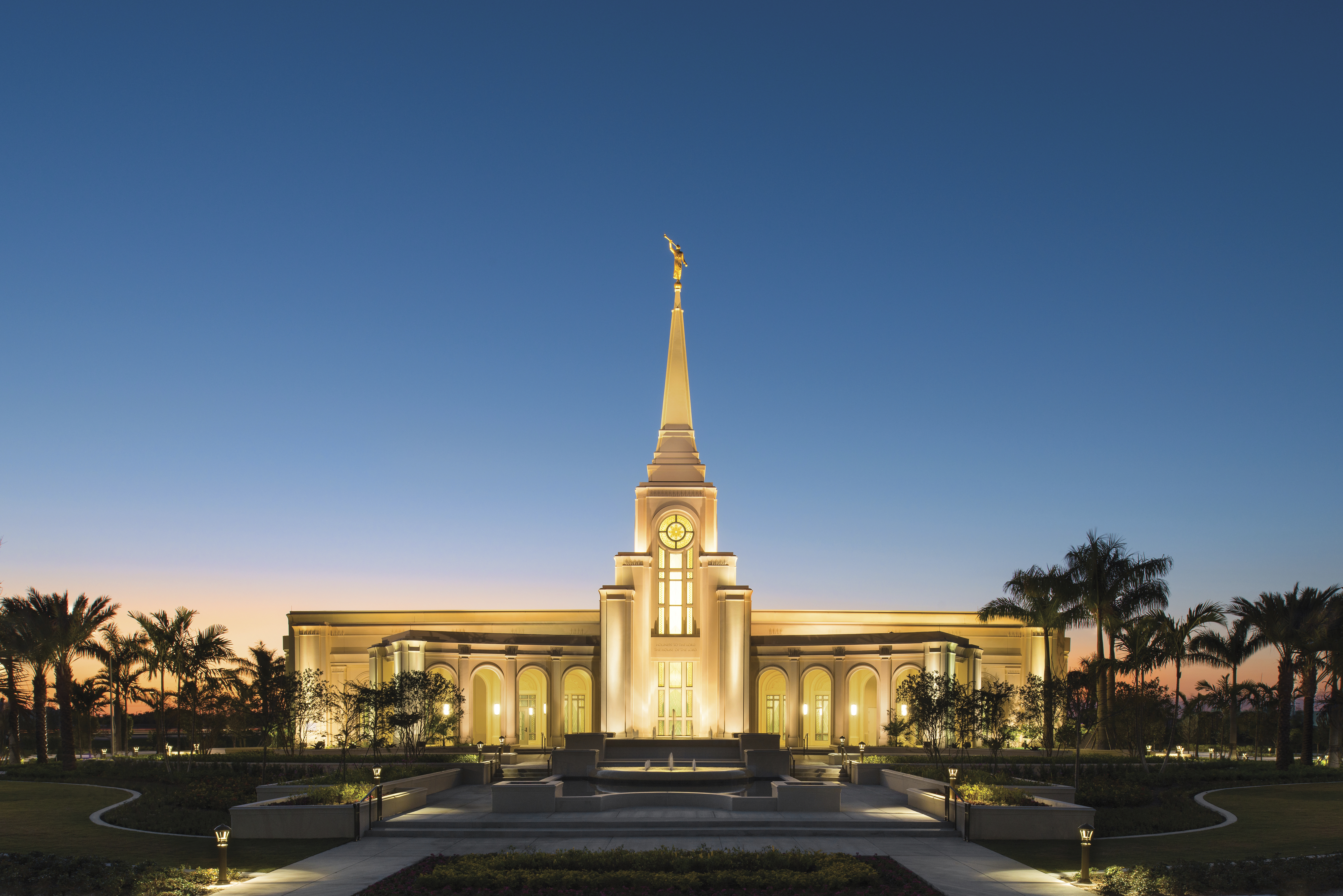 The Fort Lauderdale Florida Temple lit up at night.