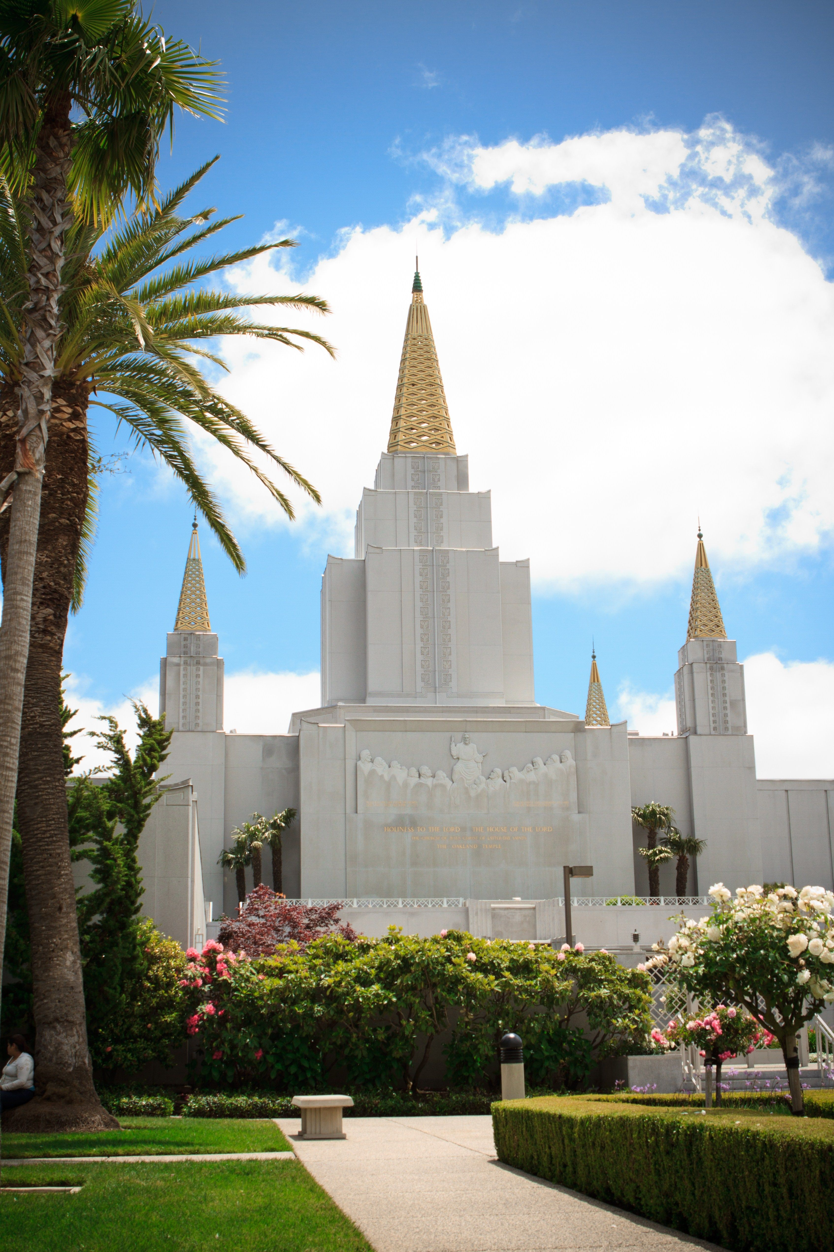 The Oakland California Temple, including scenery.