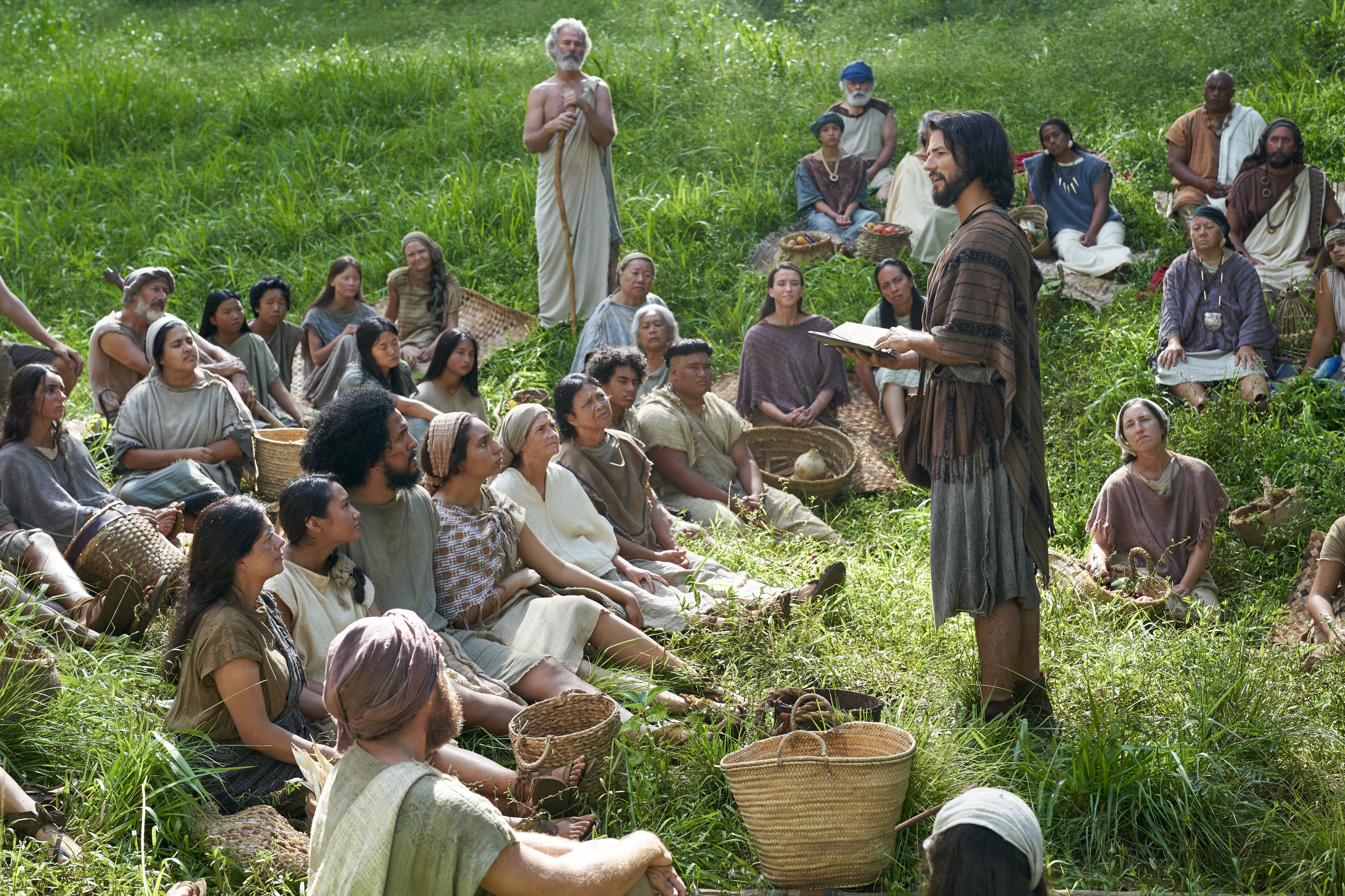 Alma the Younger speaks to the Zoramites in the land of Antionum.