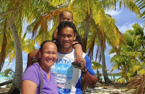 Strong Paddles, Strong Testimonies in French Polynesia