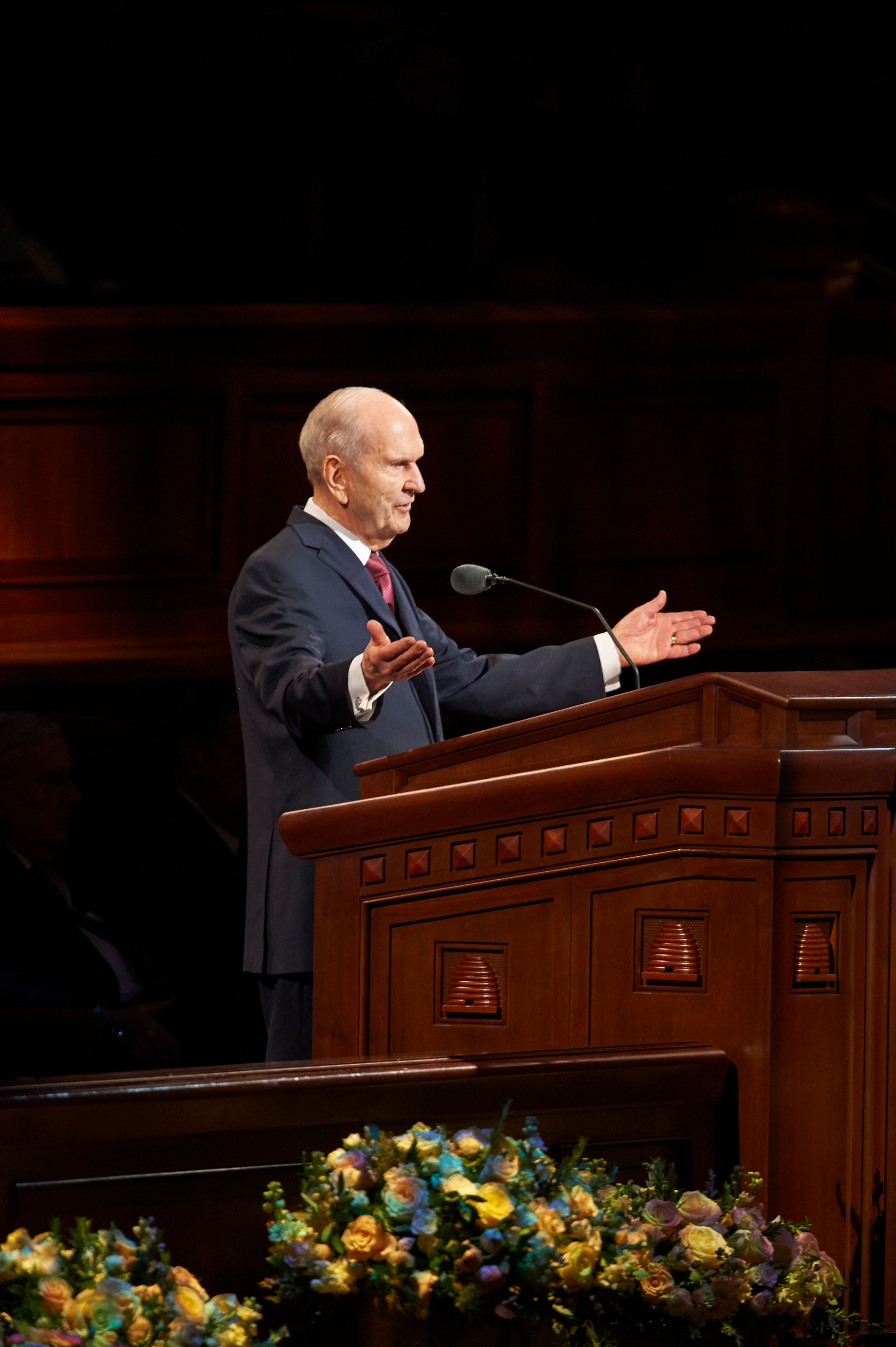 President Russell M. Nelson speaks in general conference.
