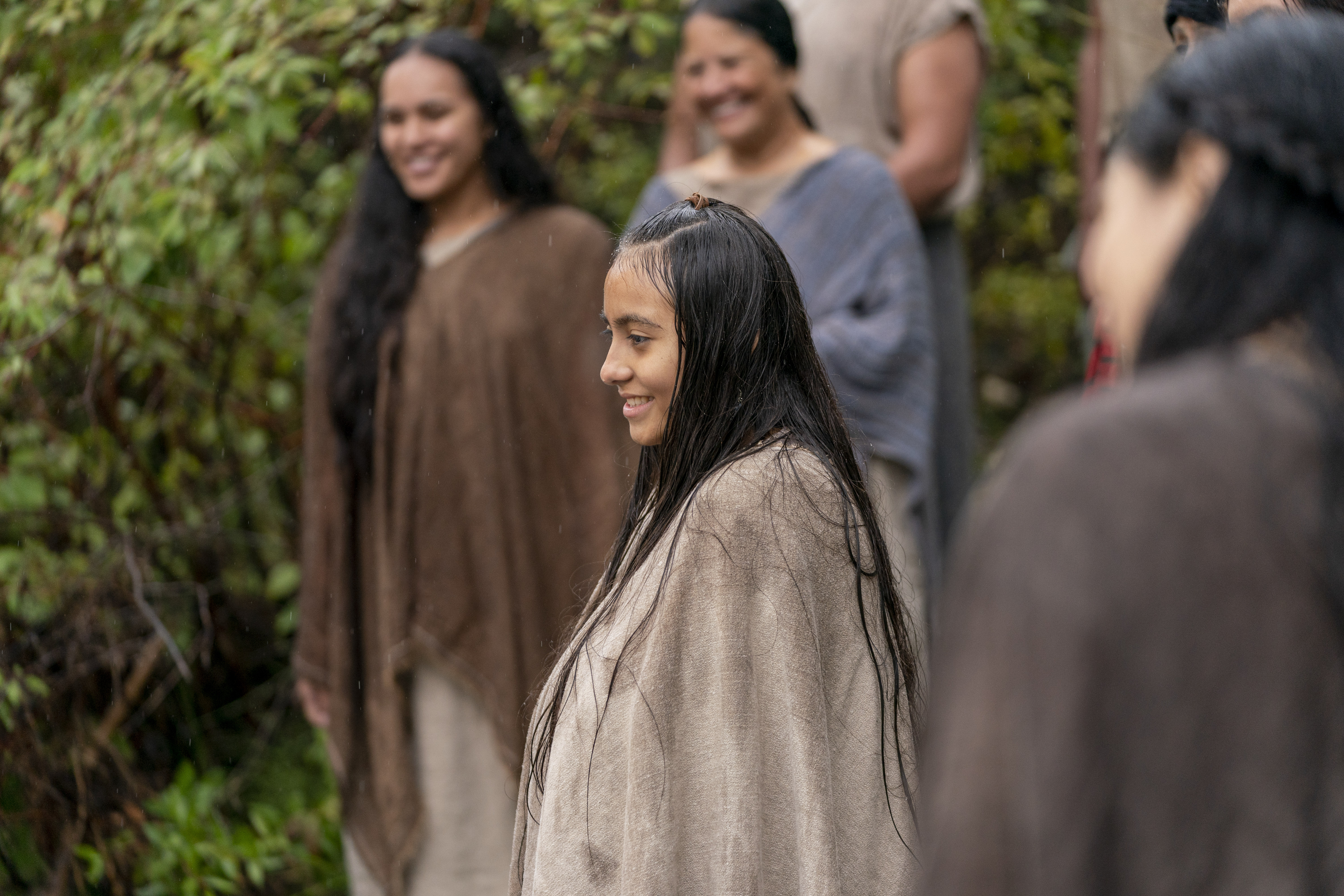 A group of people from the land of Zarahemla gather together to be baptized. They watch as Alma the Younger baptizes more of their friends and family.