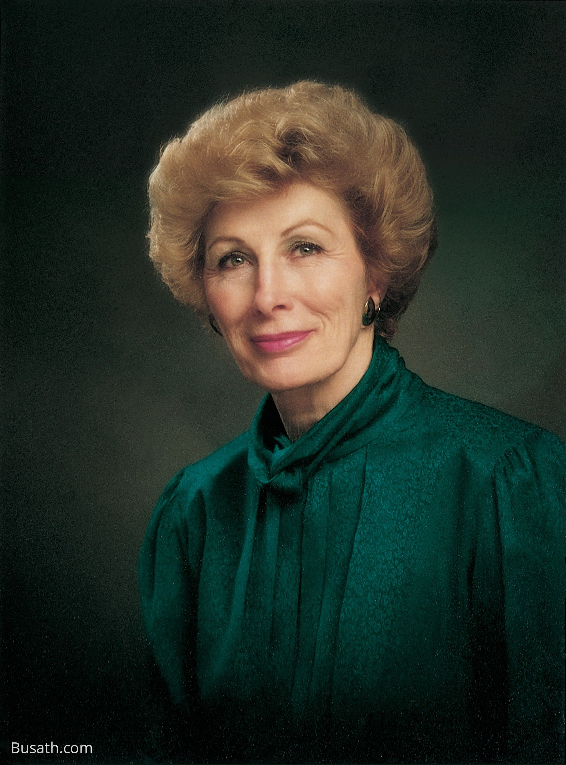 A portrait of Elaine Low Jack, who served as the 12th general president of the Relief Society from 1990 to 1997.
