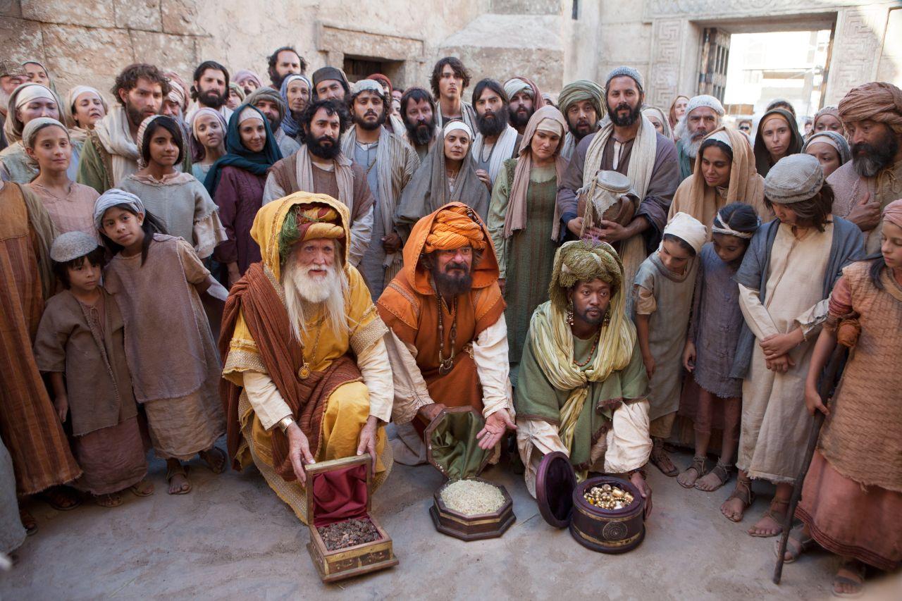 Les mages présentent leurs cadeaux à Jésus
