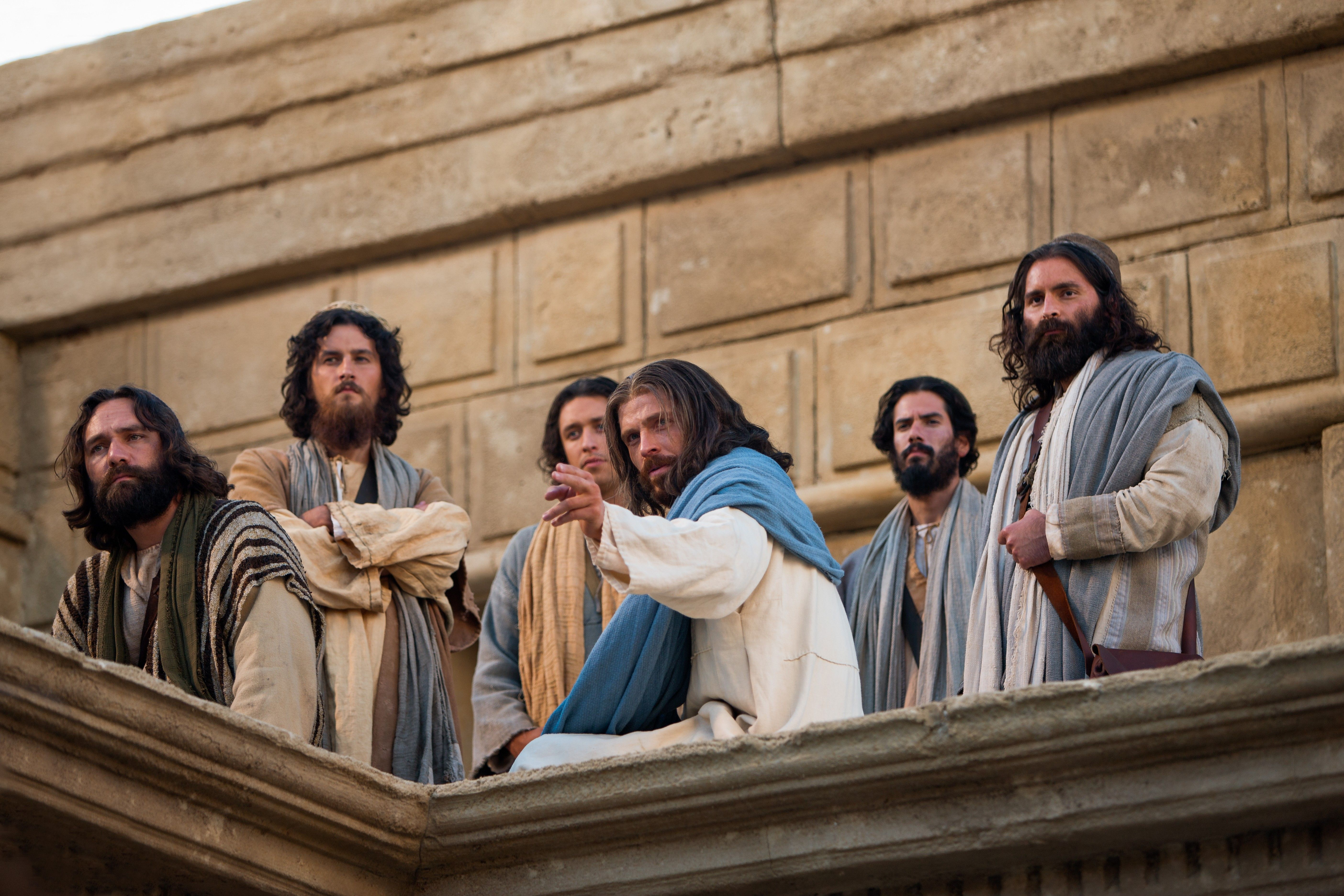 Jesus at the temple teaches His Apostles about the widow's mites.
