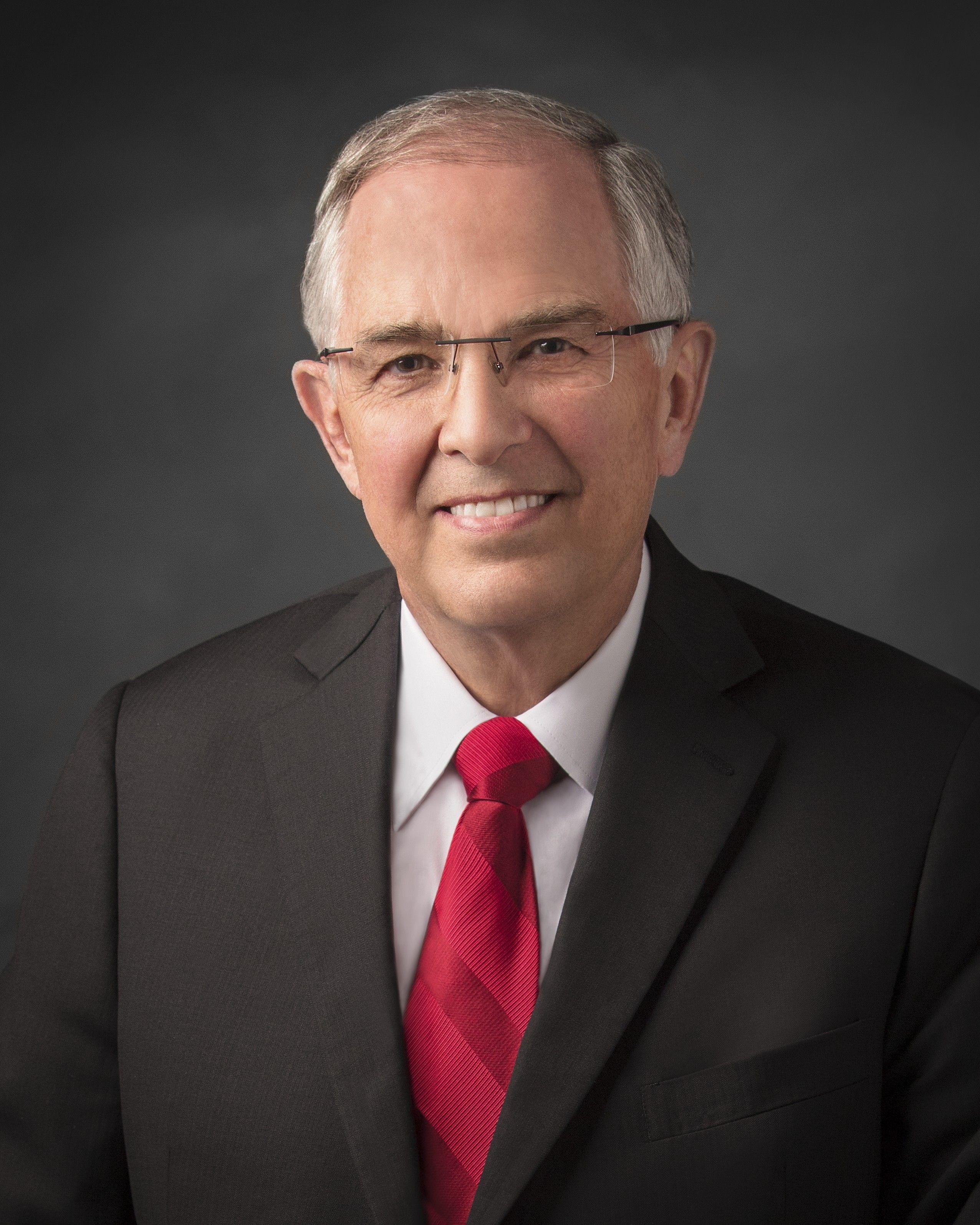 Elder Neil L. Andersen, official portrait, 2019.