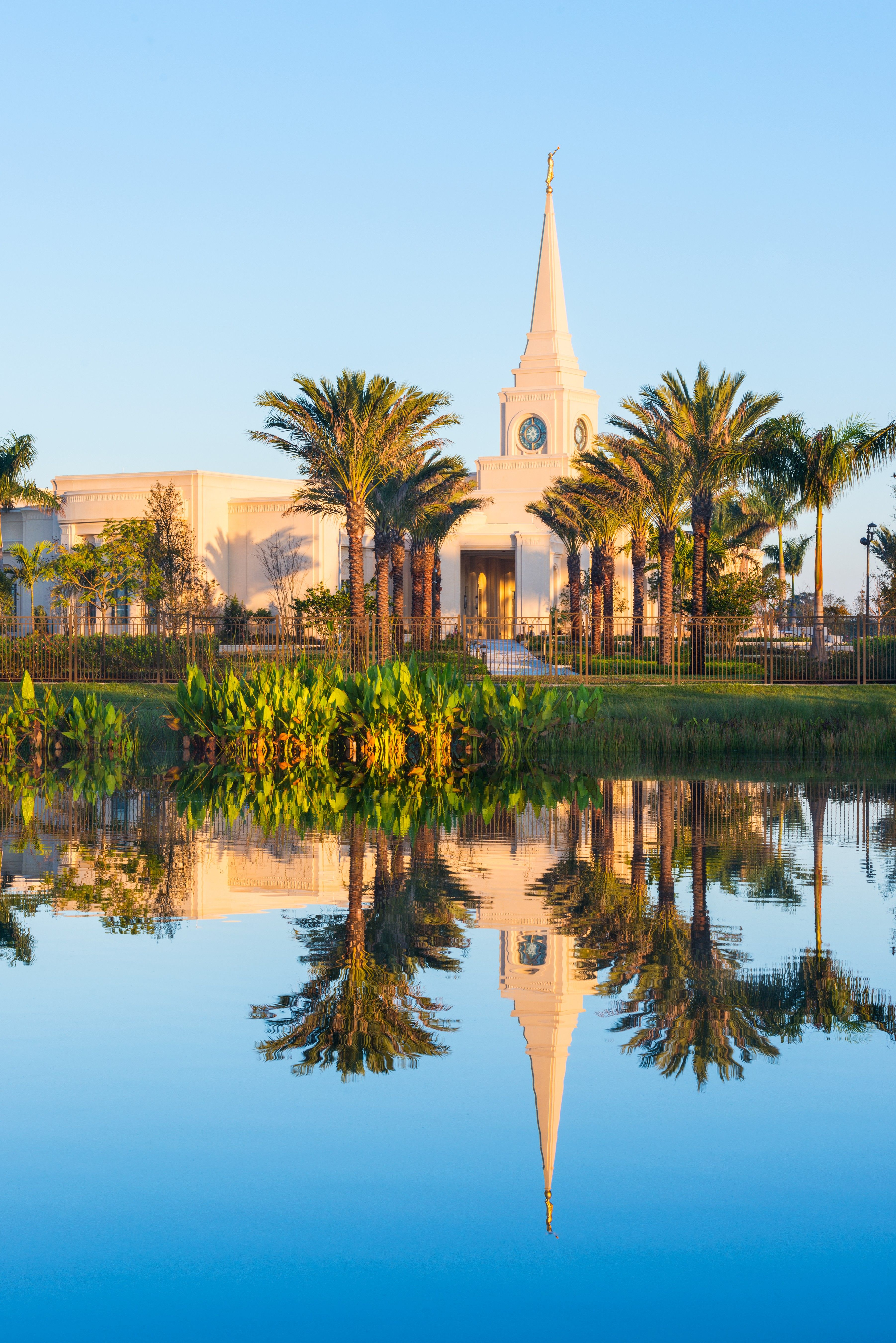 An exterior view of the Fort Lauderdale Florida Temple and grounds in the late evening.