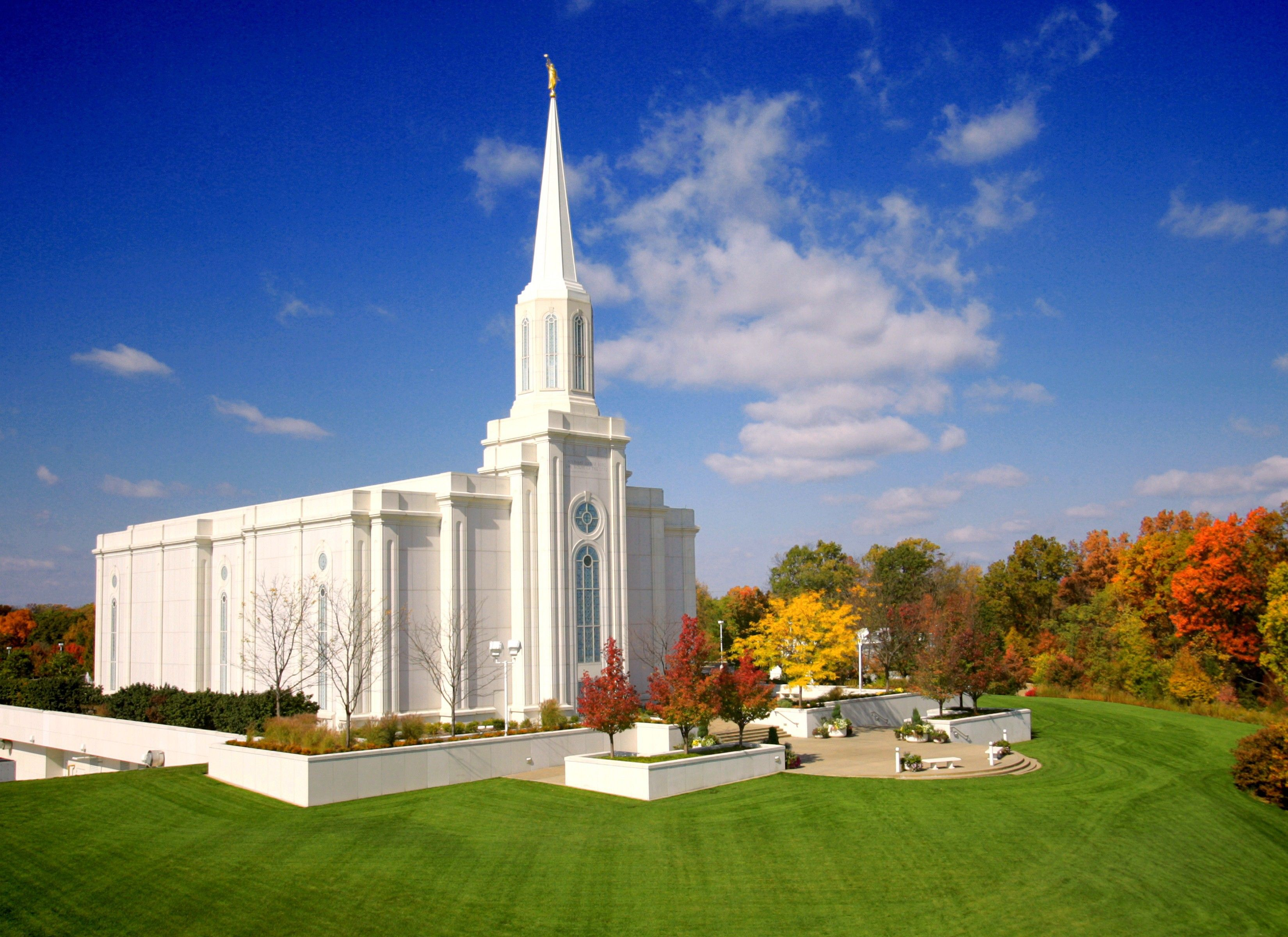 The entire St. Louis Missouri Temple in the fall, including the entrance and scenery.