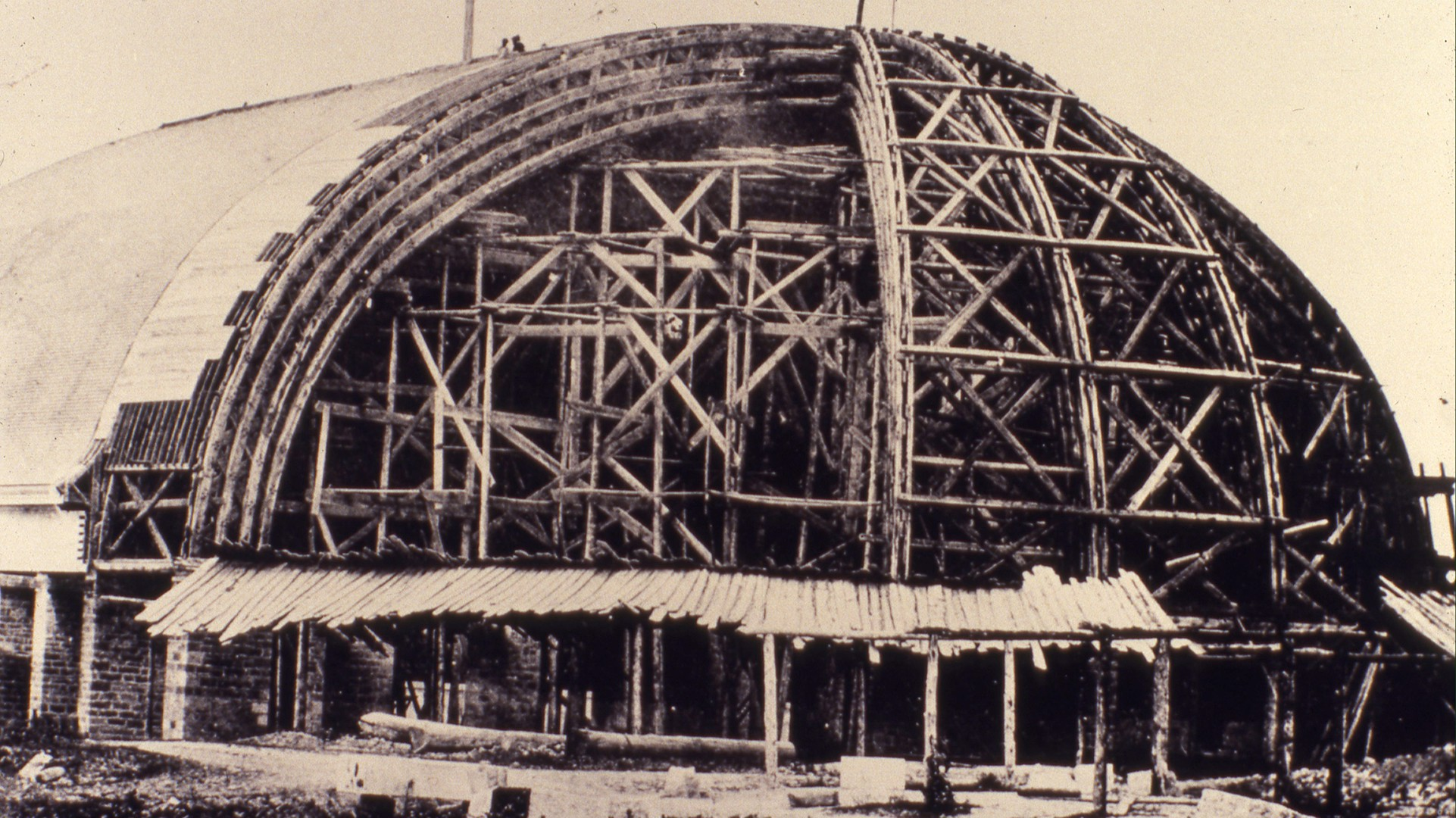 The Salt Lake Tabernacle is almost 150 years old and is still used today. It is the home of the Mormon Tabernacle Choir. Watch this video to take a tour of the Tabernacle's attic.