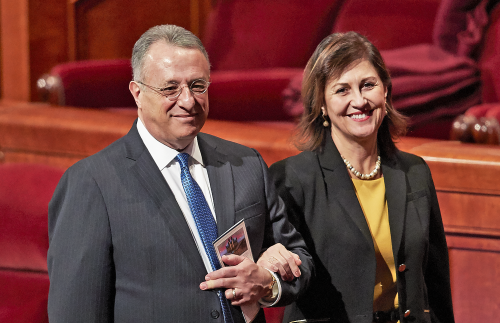 188th Annual General Conference: Elder and Sister Soares.