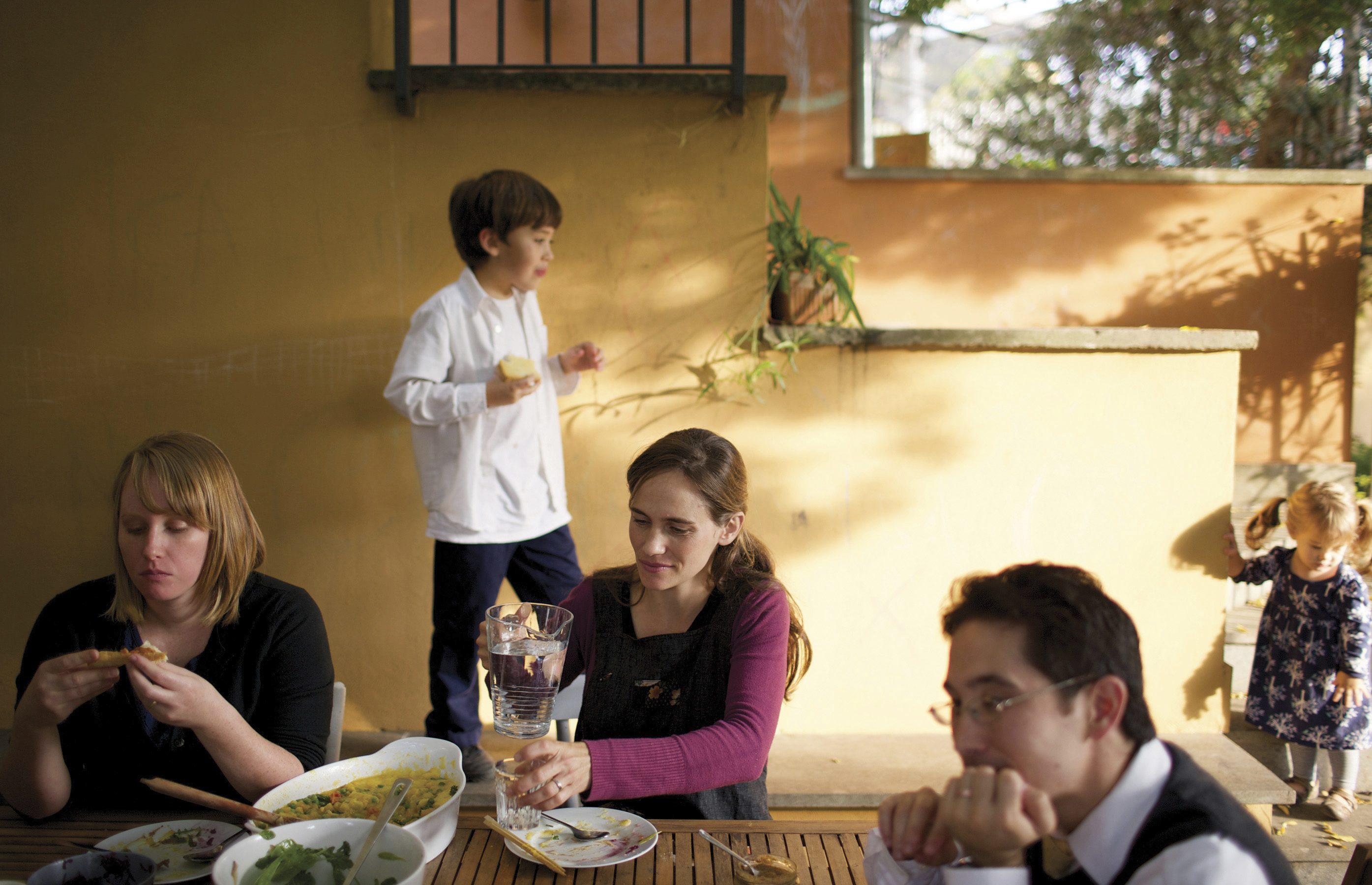 The Covingtons enjoy gathering together for meals.