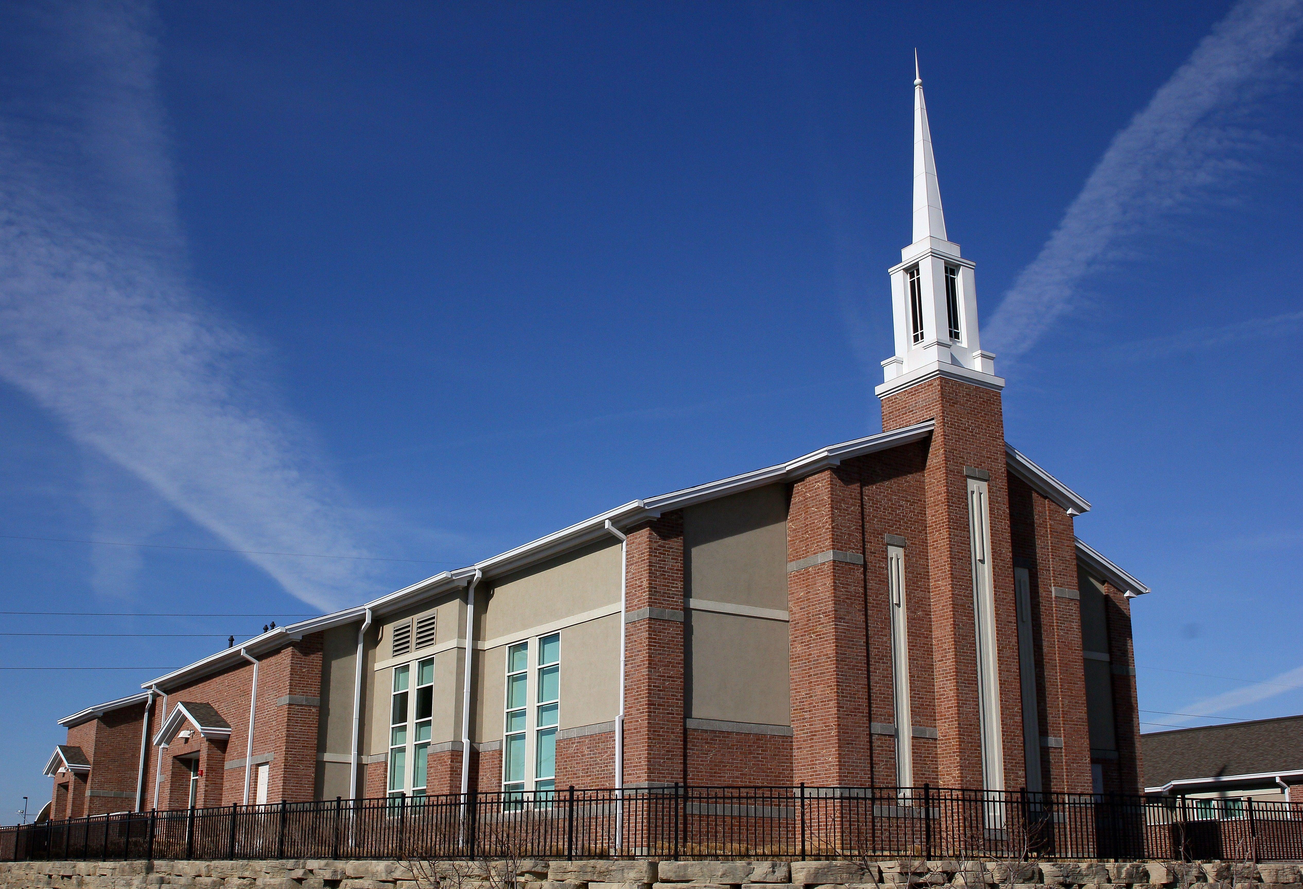 A chapel with a clear blue sky overhead in Kansas City, Missouri.