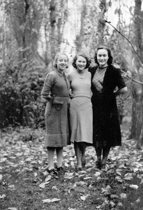 Netherlands: Sister Missionaries