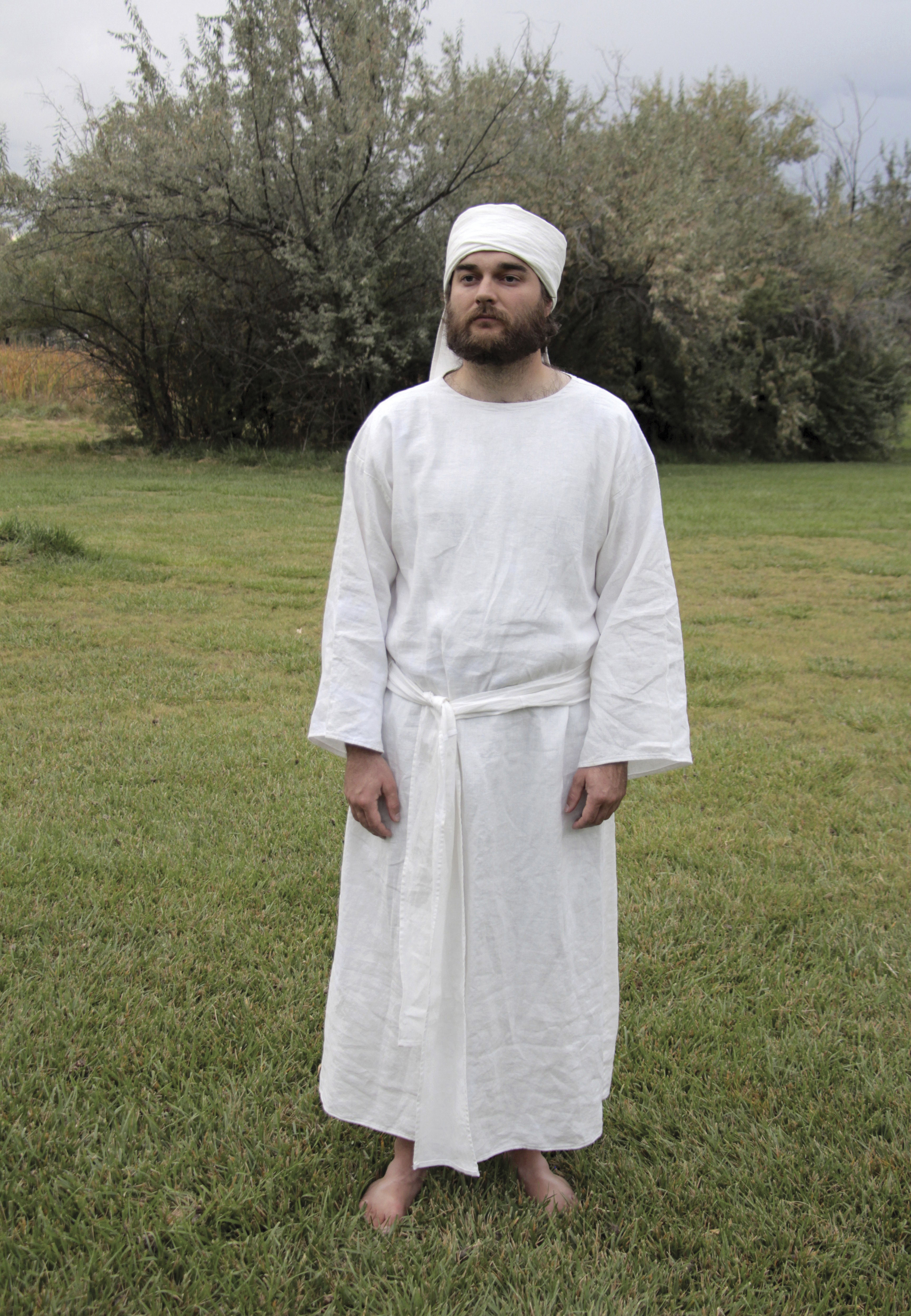 A model wearing the clothing of an Old Testament priest, created by Israel Daniel Smith.