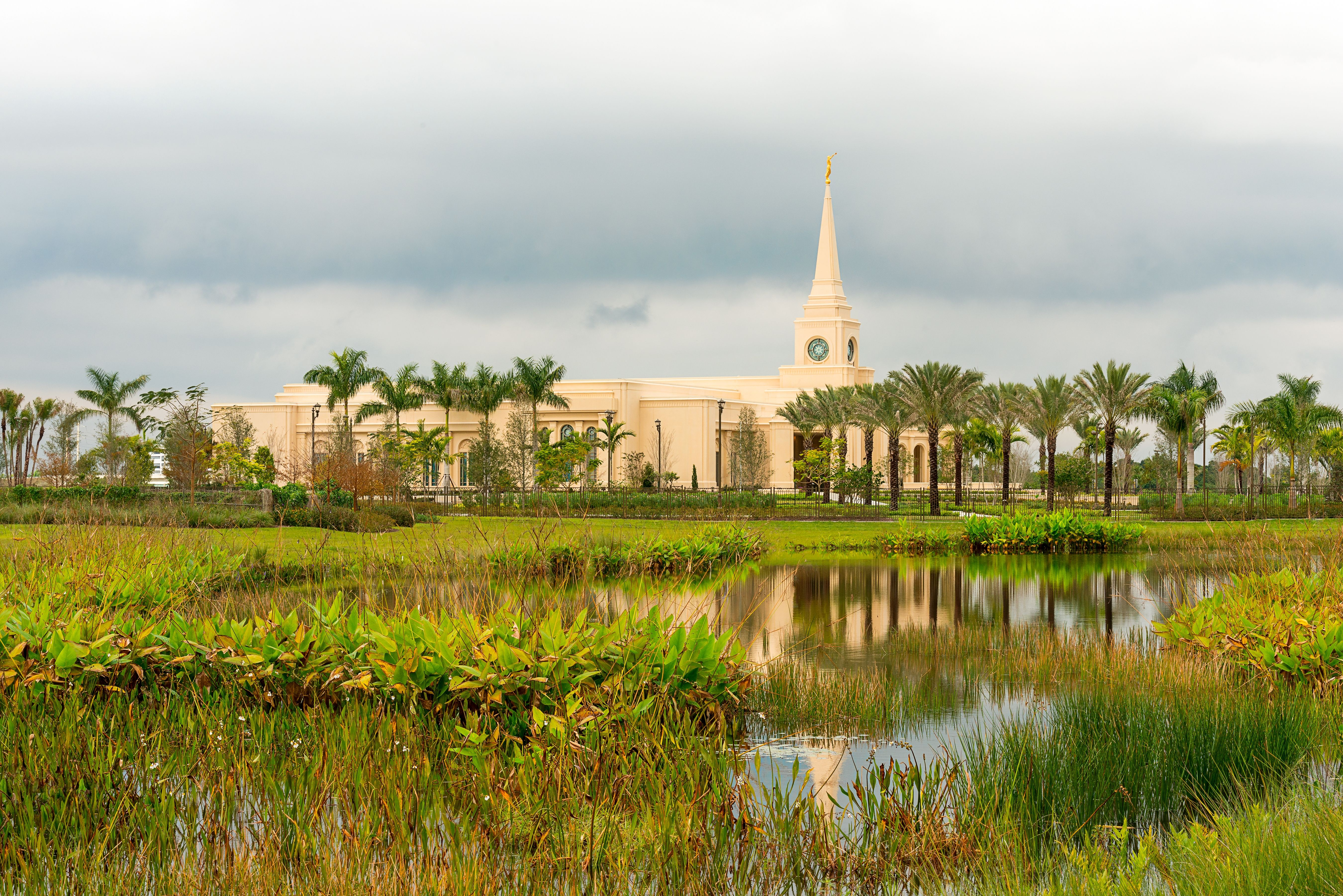 An exterior landscape view of the Fort Lauderdale Florida Temple and temple grounds.