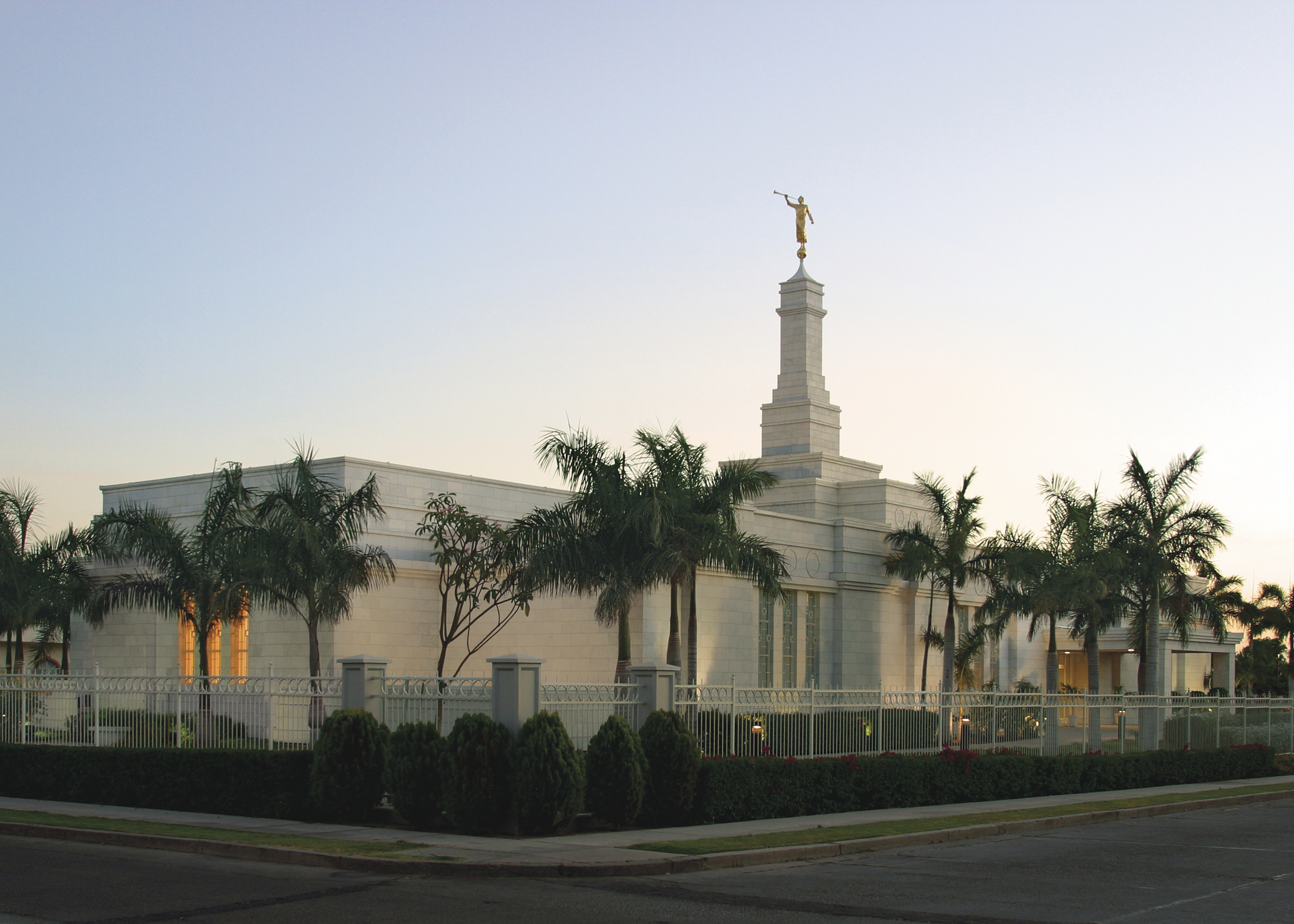 An exterior view of the Hermosillo Sonora Mexico Temple.
