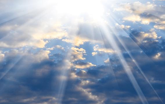 Những đám mây tỏa sáng thể hiện quyền năng của Chúa