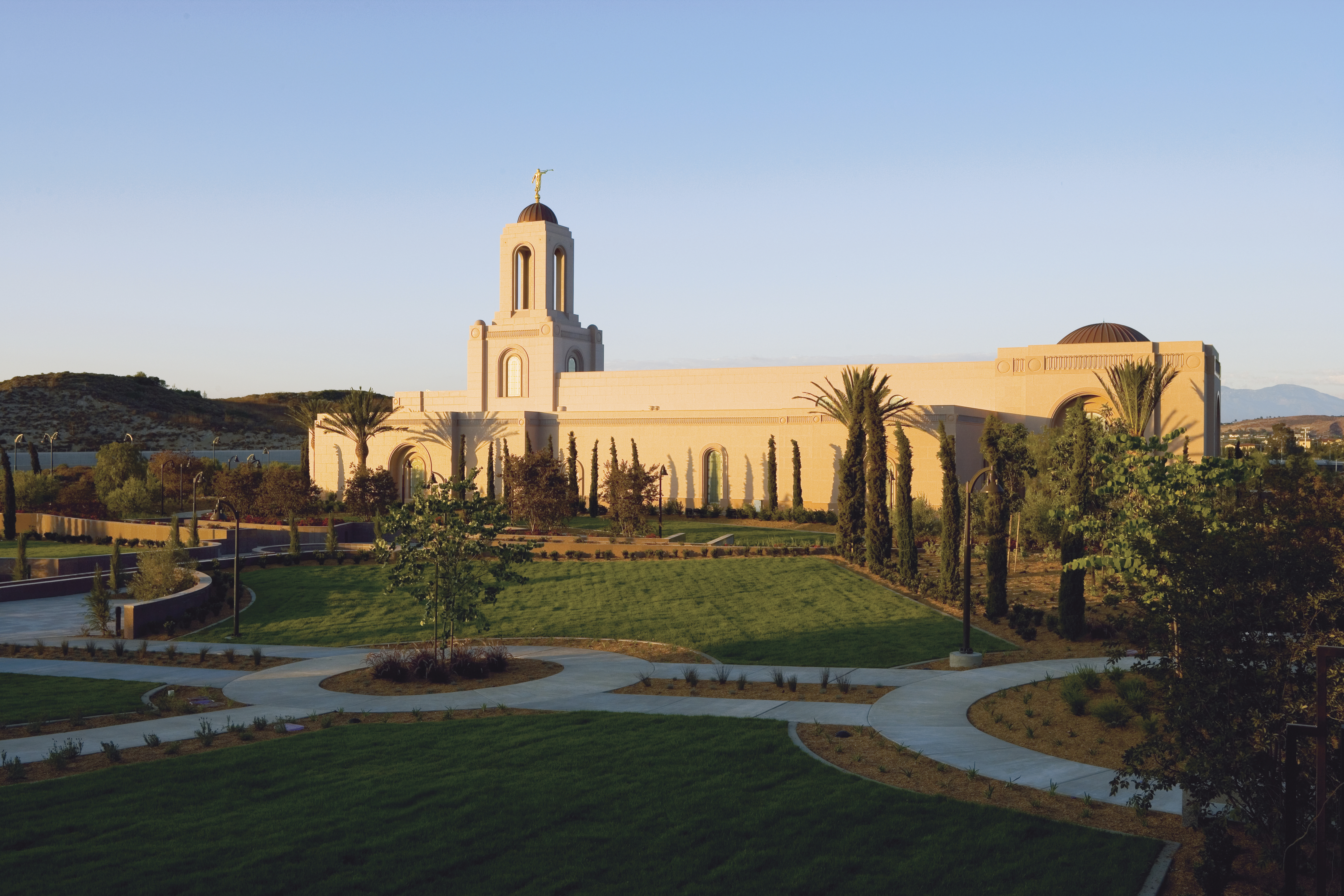 The Newport Beach California Temple at sunset on a clear day.