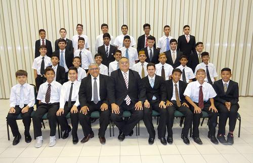 Fernando's young men