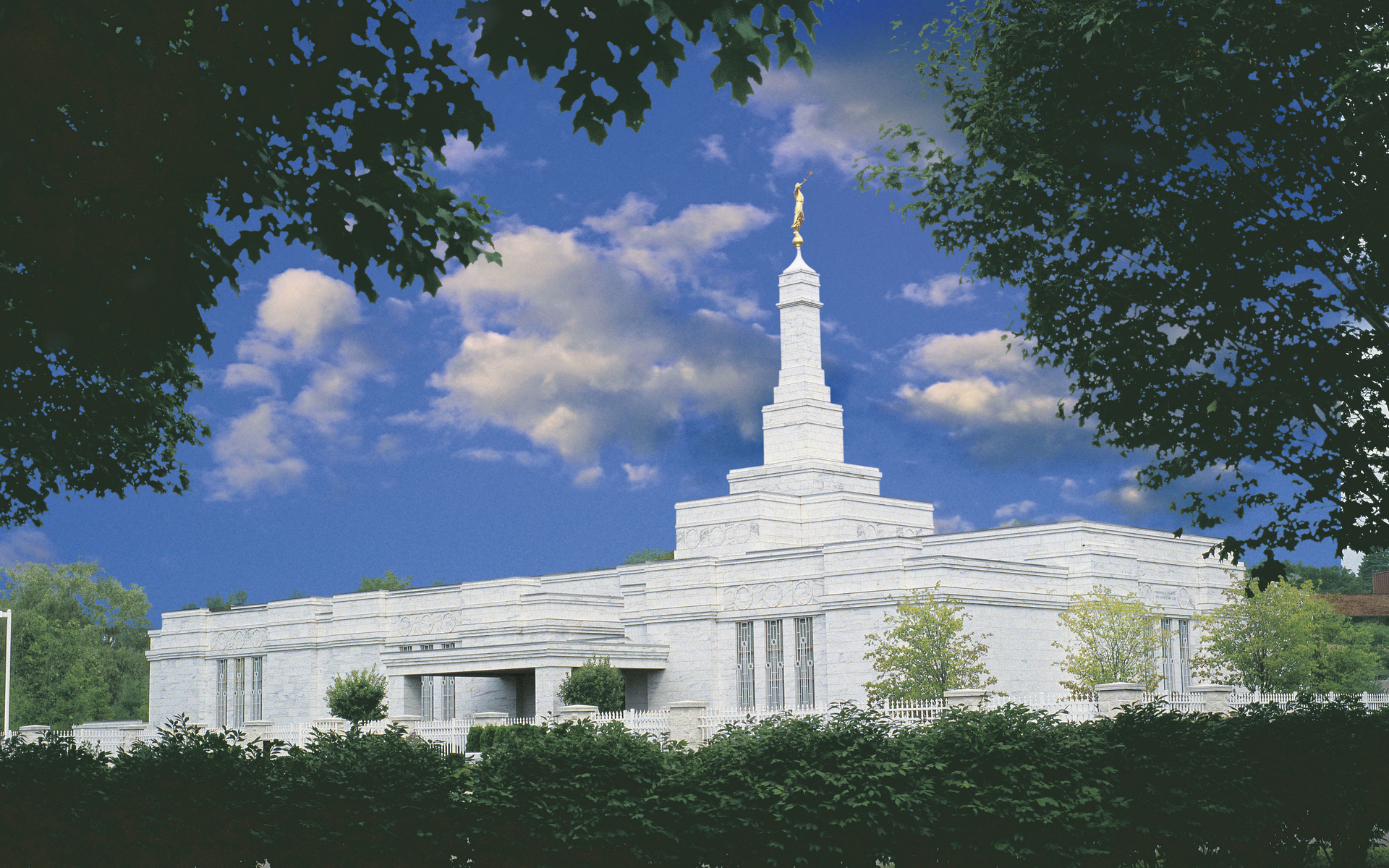 Put In Bay Christmas In July Detroit.Detroit Michigan Temple