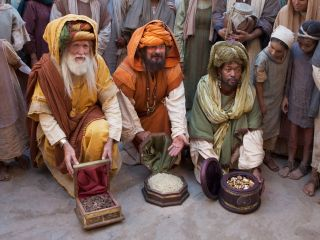 Wise Men Present Gifts