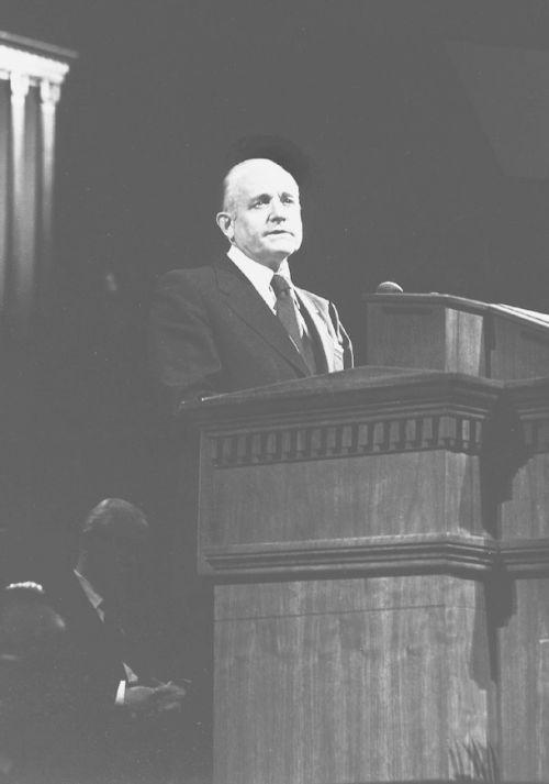 Howard W. Hunter speaking in Tabernacle