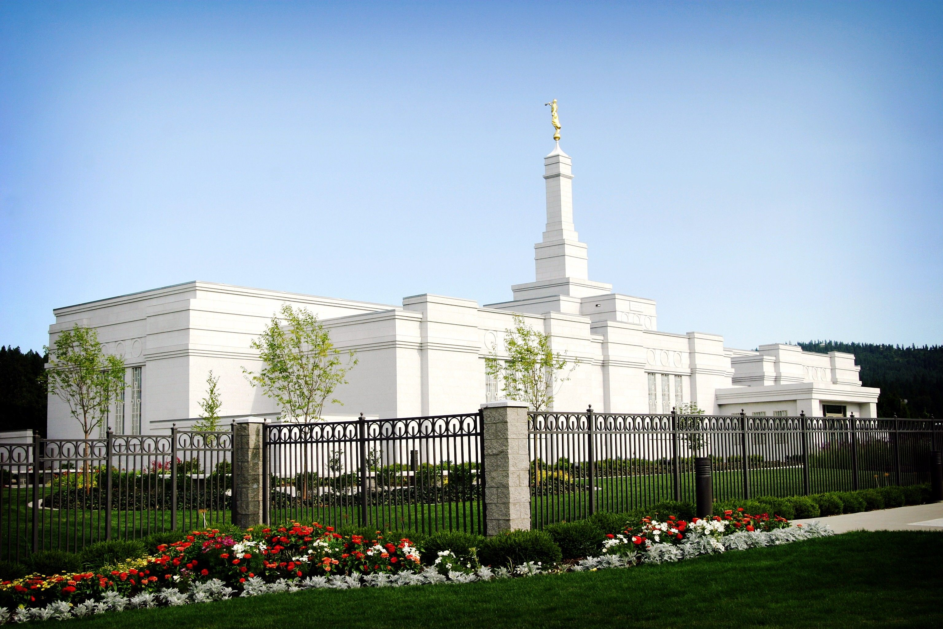The Spokane Washington Temple, including the entrance and scenery.